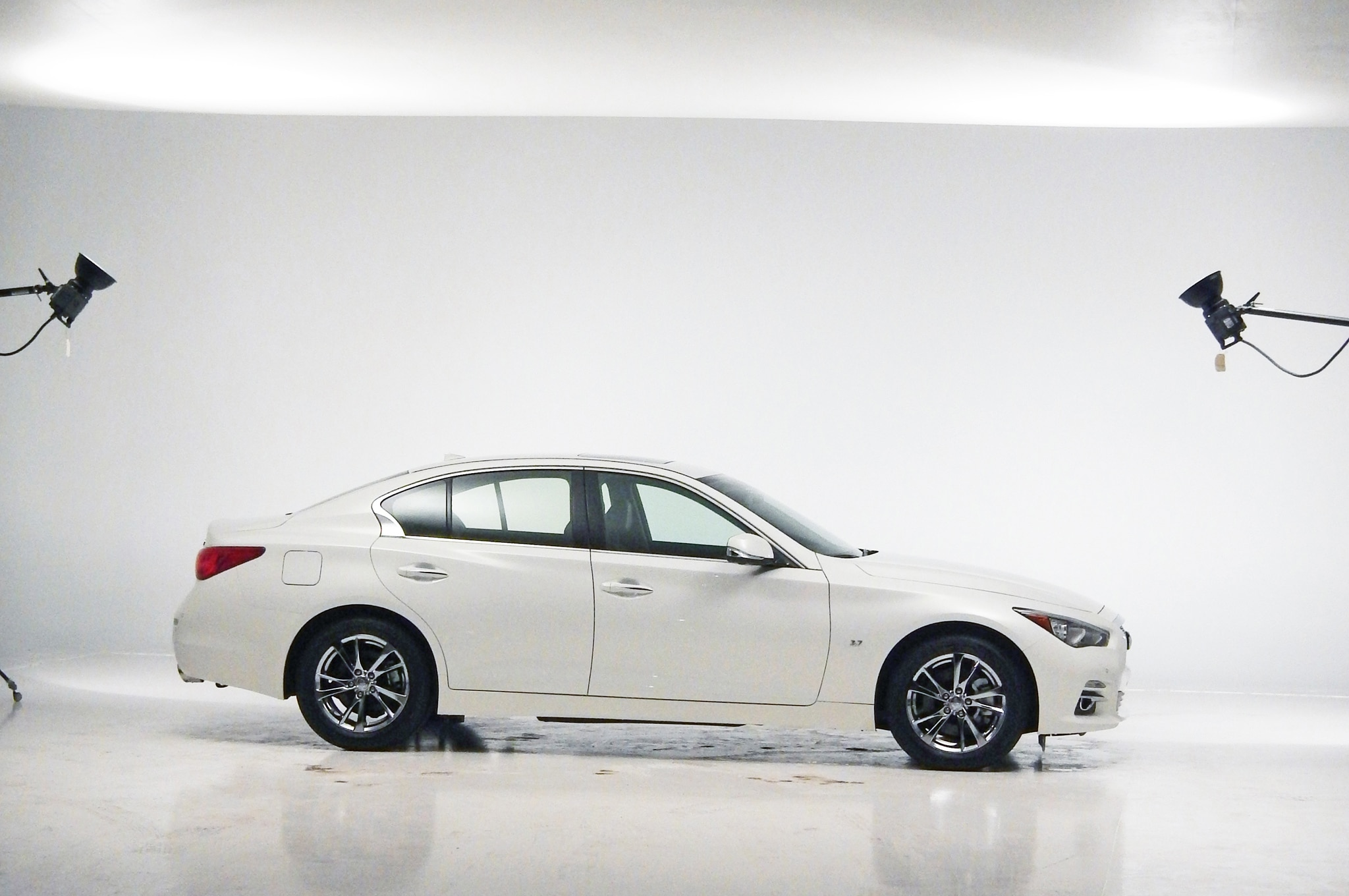 2014 Infiniti Q50 Profile Photo Shoot1