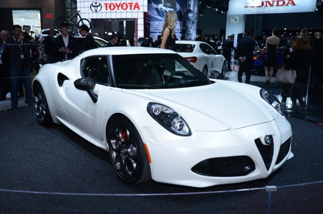 2015 Alfa Romeo 4C Launch Edition Front Side View1 660x438