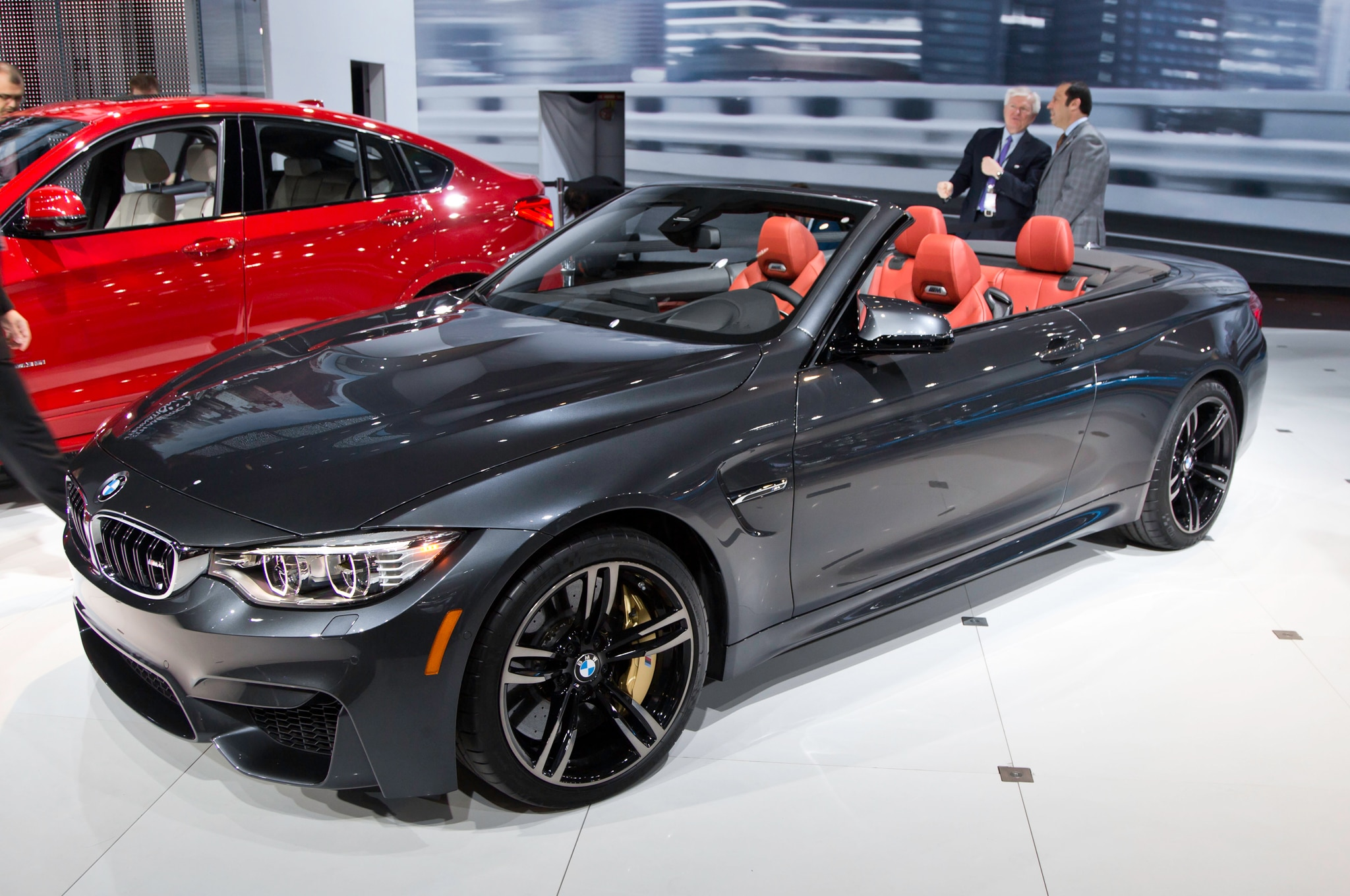 2015 BMW M4 Convertible Front Three Quarter1