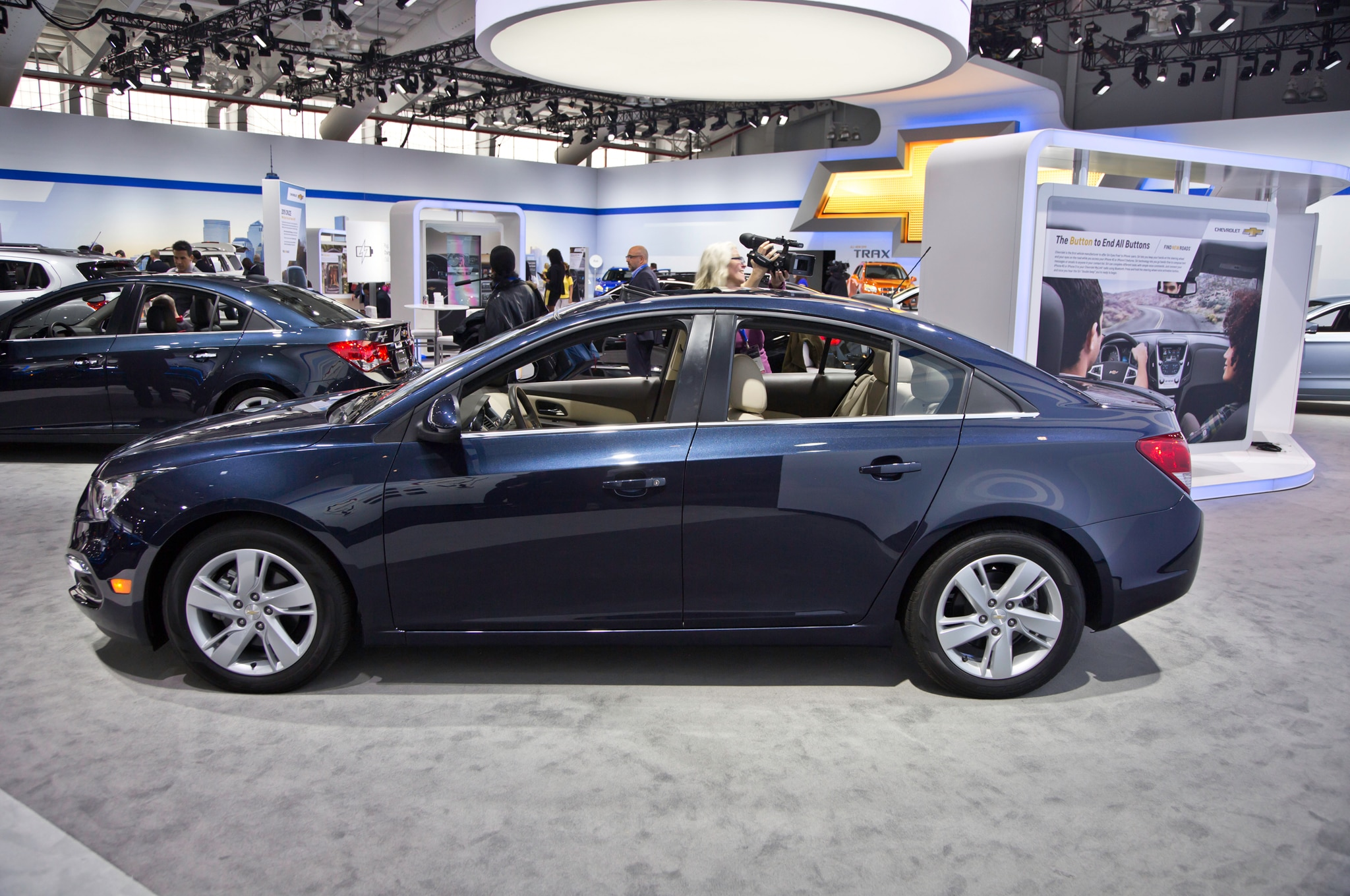 2015 Chevrolet Cruze Facelifted At New York Show Automobile Magazine