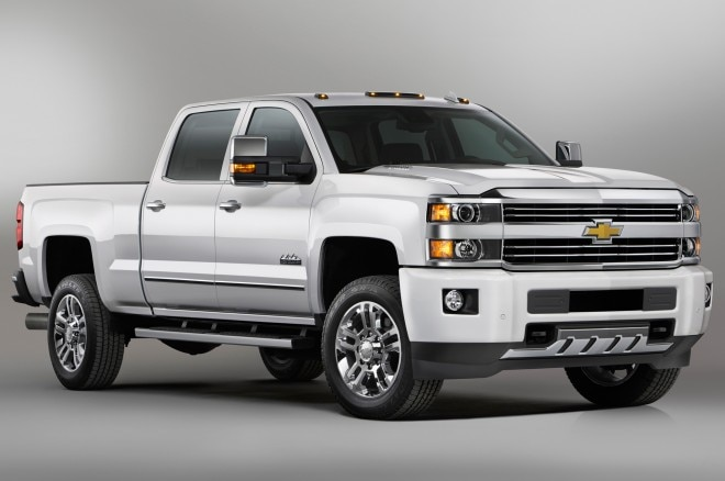 2015 Chevrolet Silverado High Country HD Front Side View1 660x438