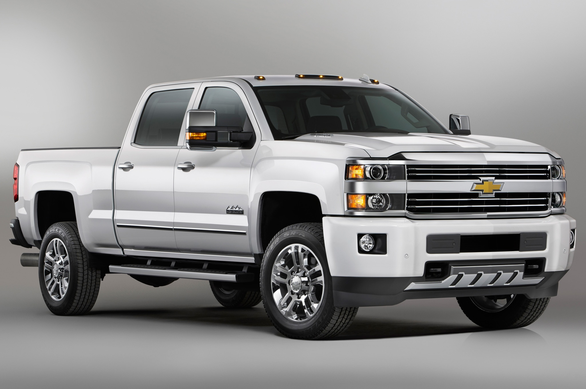 2015 Chevrolet Silverado High Country HD Front Side View1