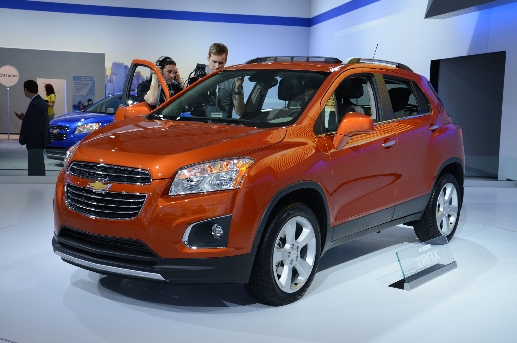 2015 Chevrolet Trax Front Three Quarter View2