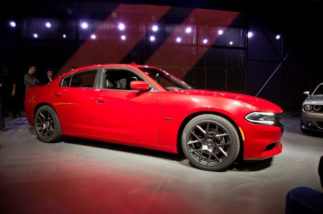 2015 Dodge Charger RT Front Three Quarter1 660x438