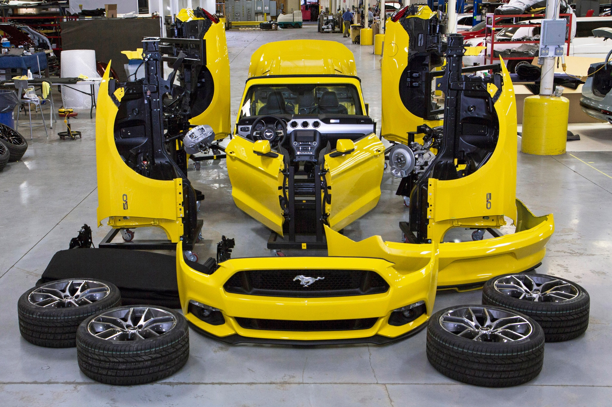 2015 Ford Mustang Convertible Empire State Building Disassembled1