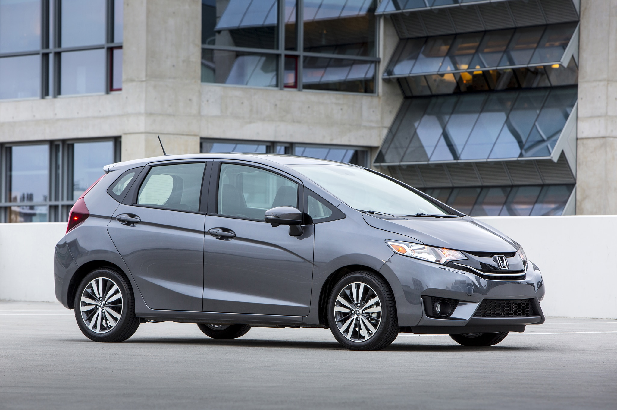 2015 Honda Fit Side Profile3