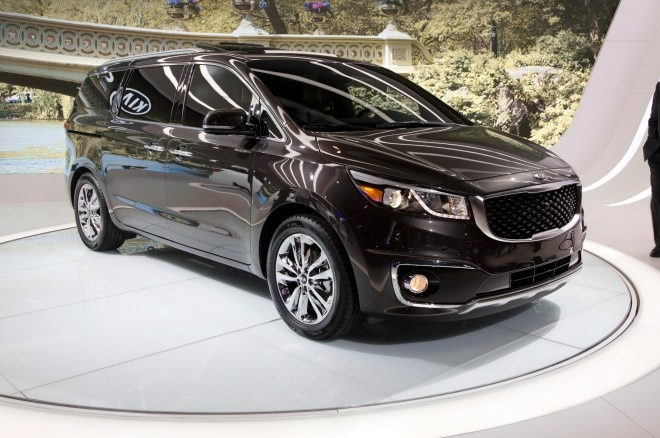 2015 Kia Sedona SXL Front Three Quarter2 660x438