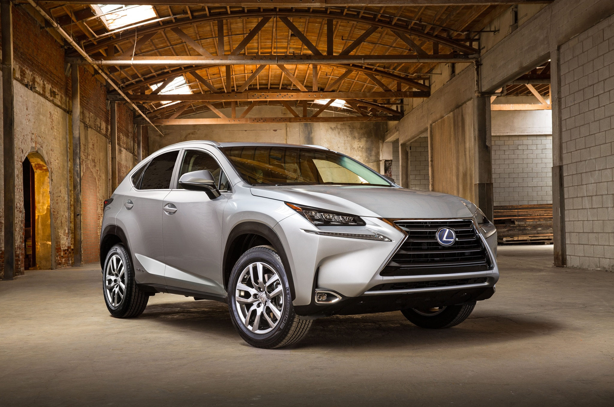2015 Lexus NX 300h Front Three Quarters1