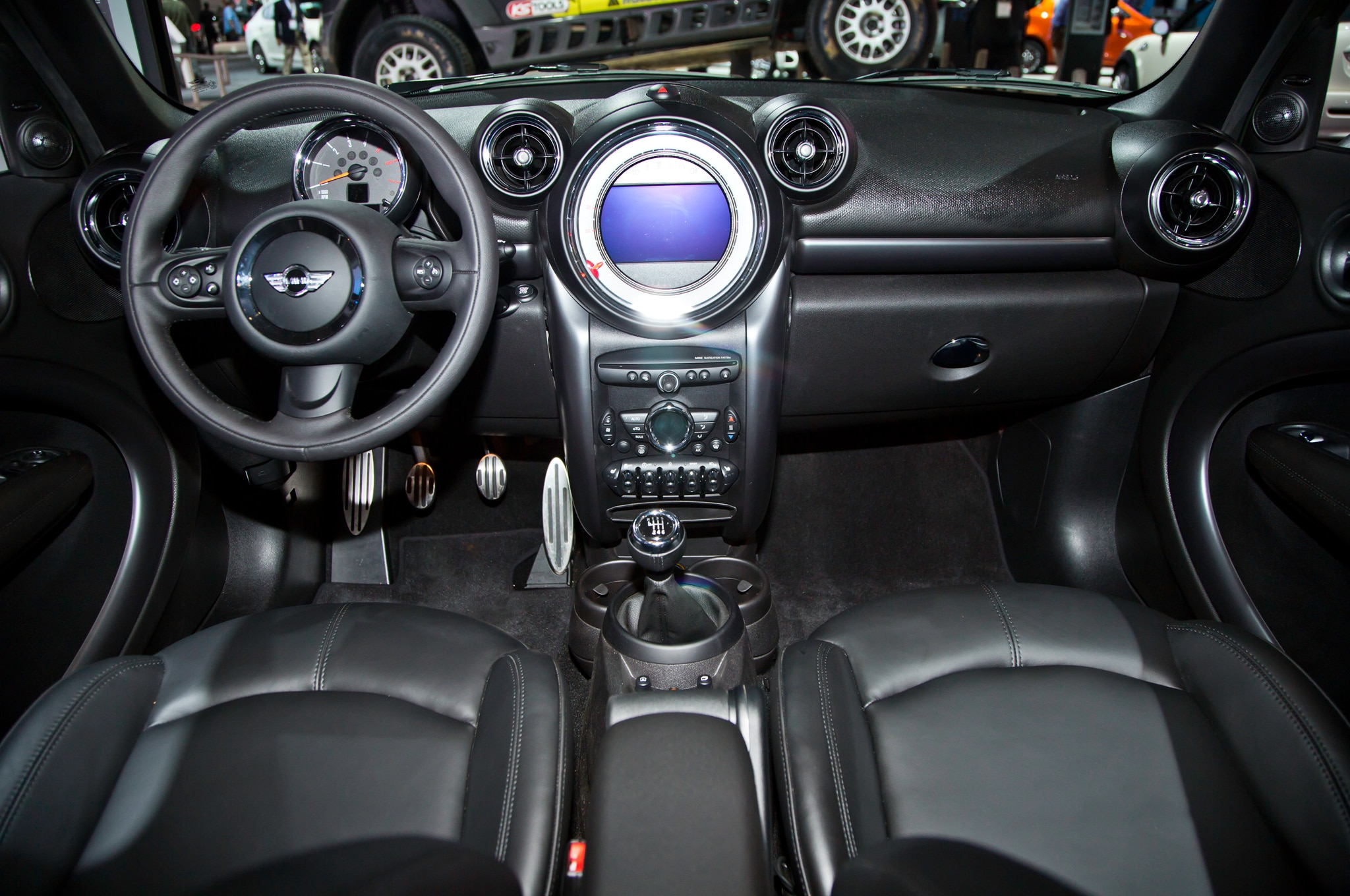 2015 mini countryman refreshed for new york automobile magazine - Countryman interior ...