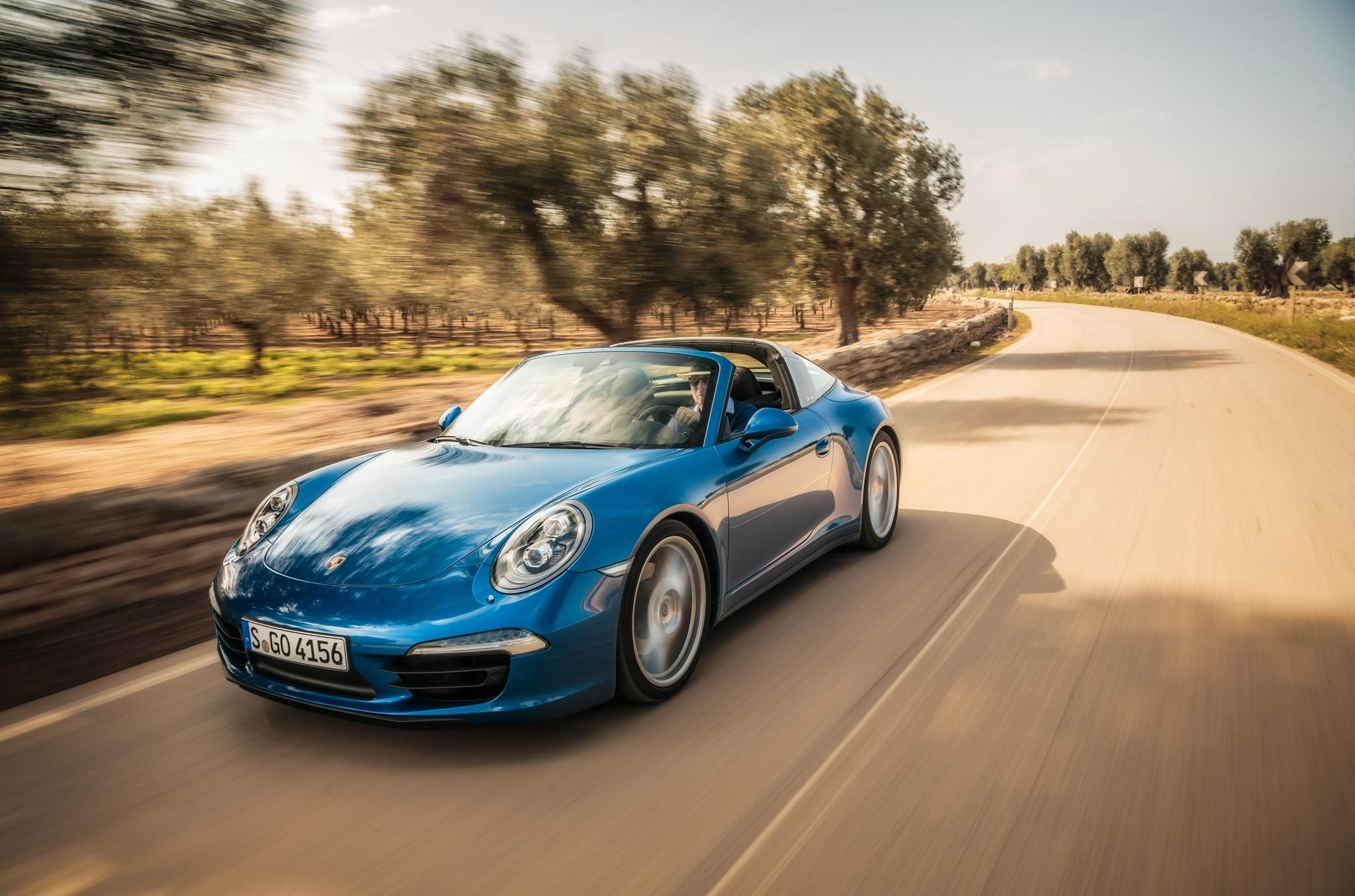 2015 Porsche 911 Targa Front Three Quarters In Motion 031