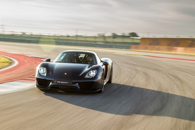 2015 Porsche 918 Spyder front end in motion 022
