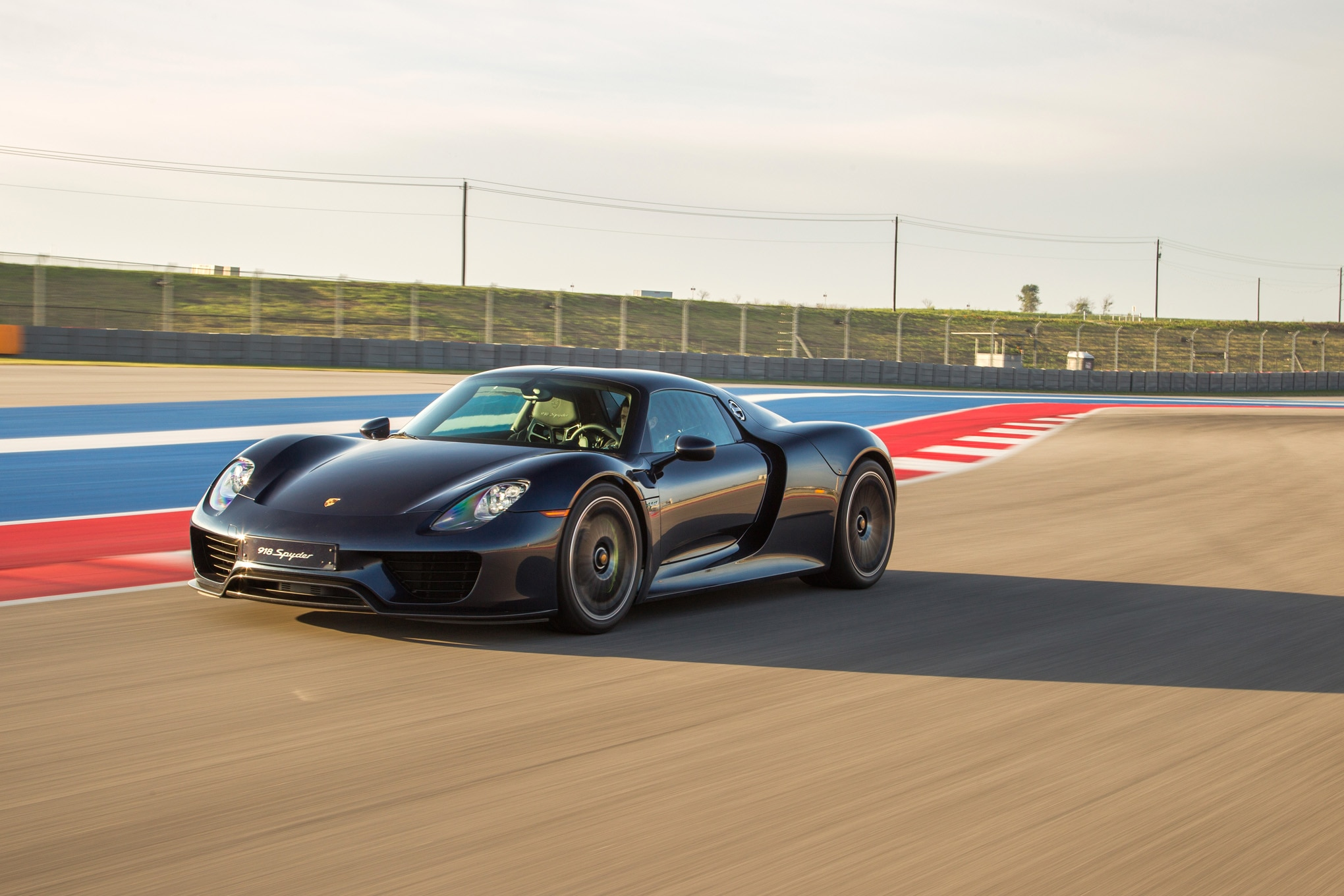2015 Porsche 918 Spyder Front Three Quarter In Motion 034