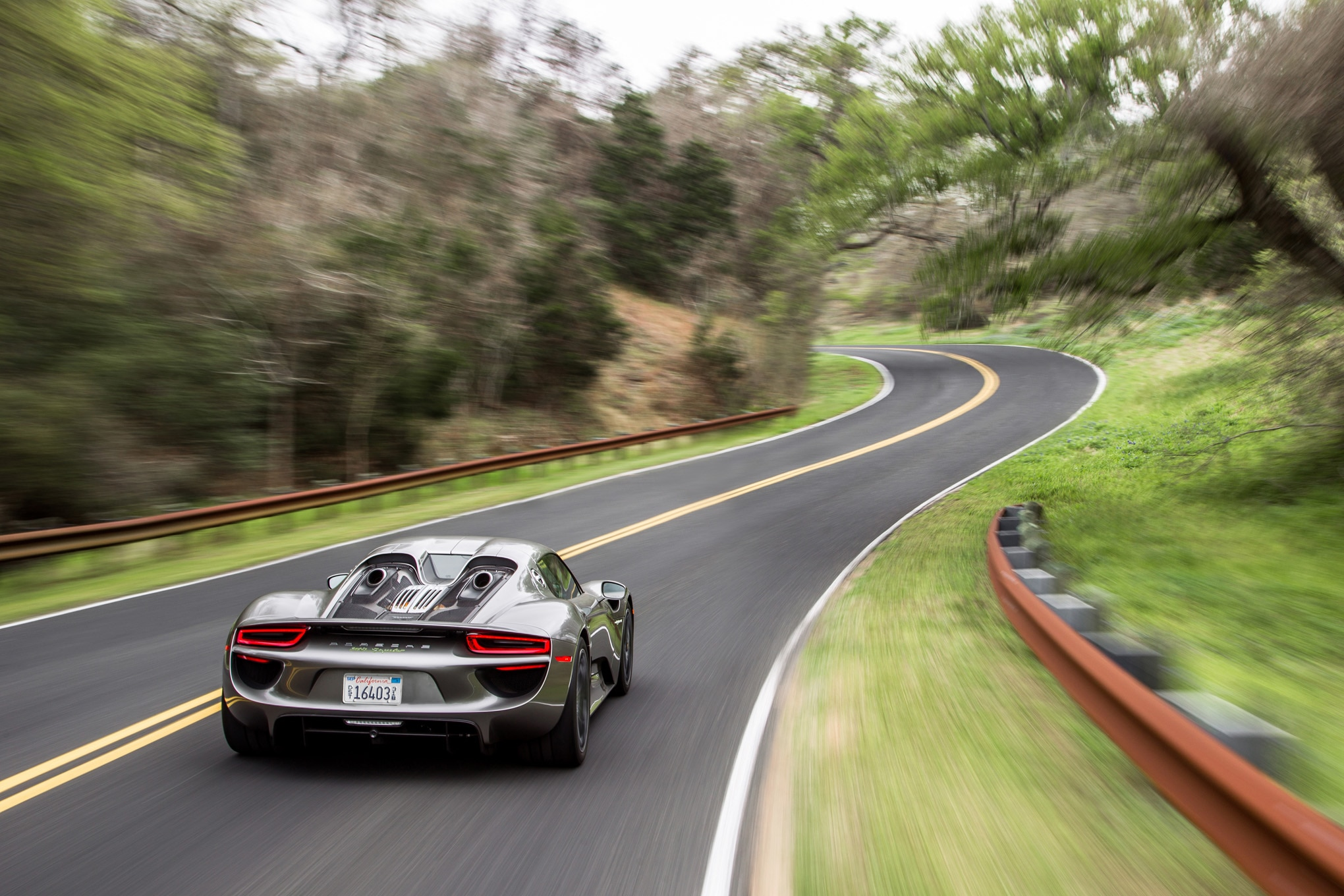 2015-Porsche-918-Spyder-rear-end-in-motion-031 Fabulous How Much Does the Porsche 918 Spyder Concept Cost In Real Racing 3 Cars Trend
