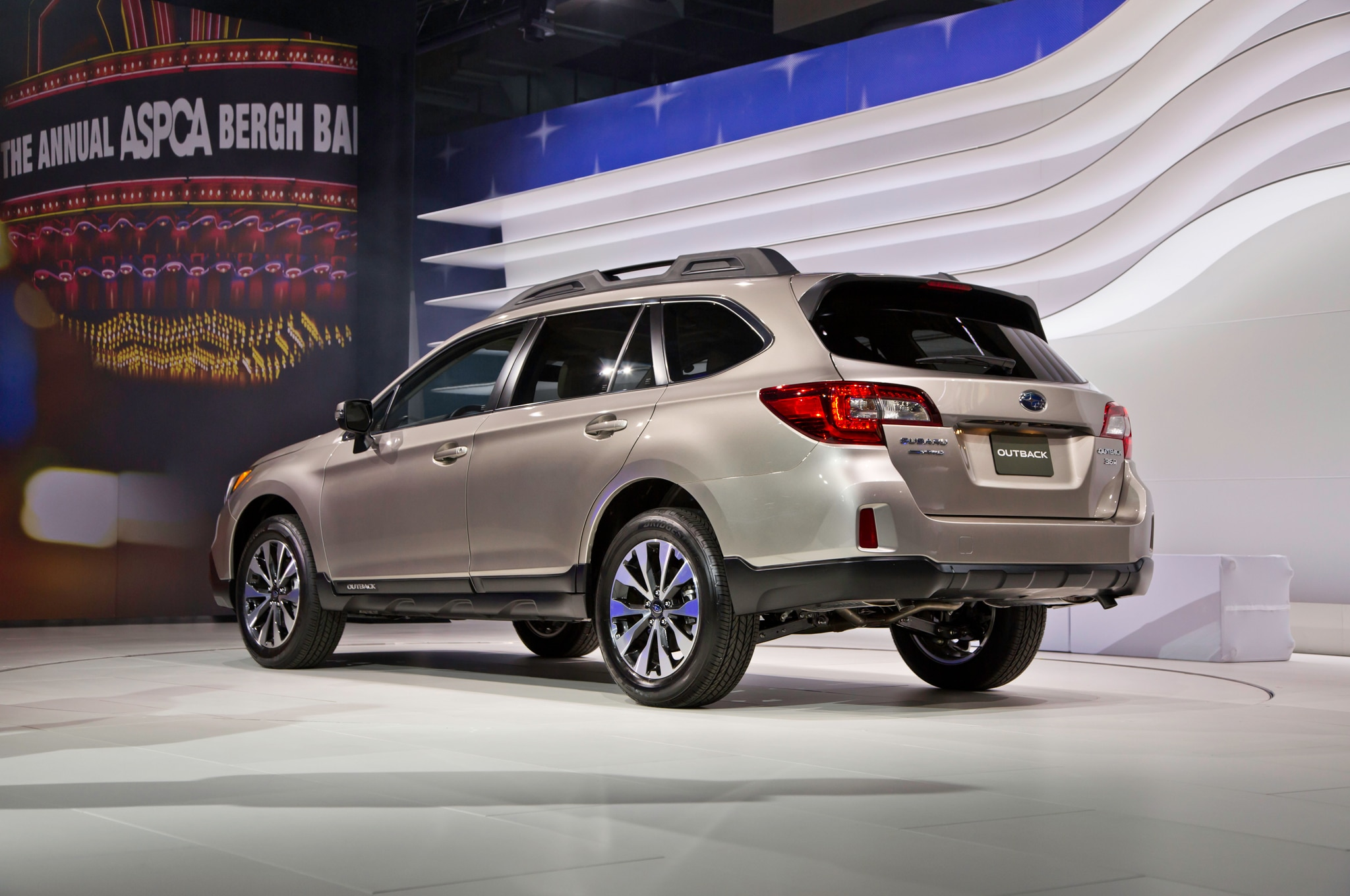 2015 subaru outback unveiled in new york automobile magazine. Black Bedroom Furniture Sets. Home Design Ideas