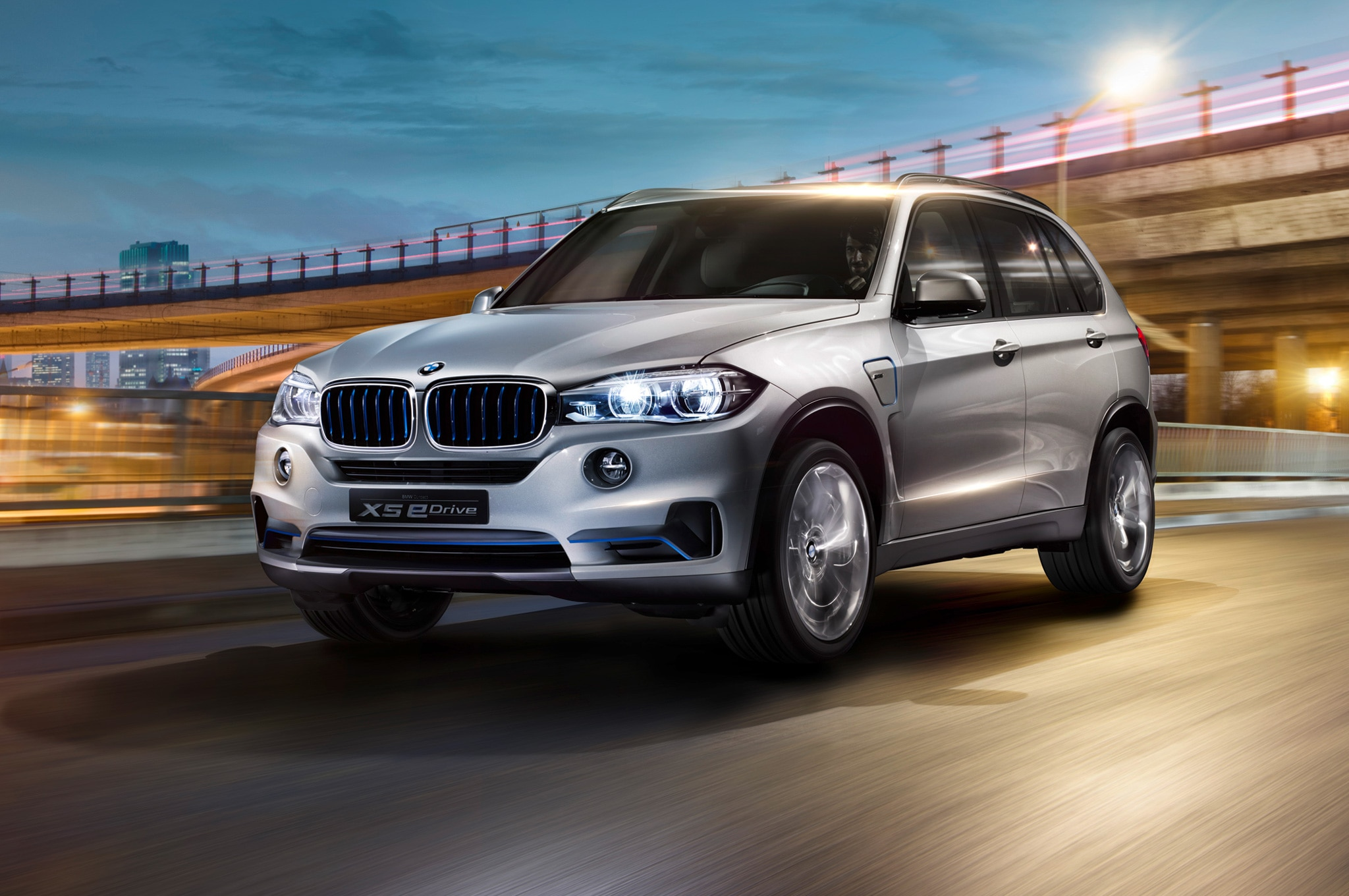 BMW X5 EDrive Concept At Night1