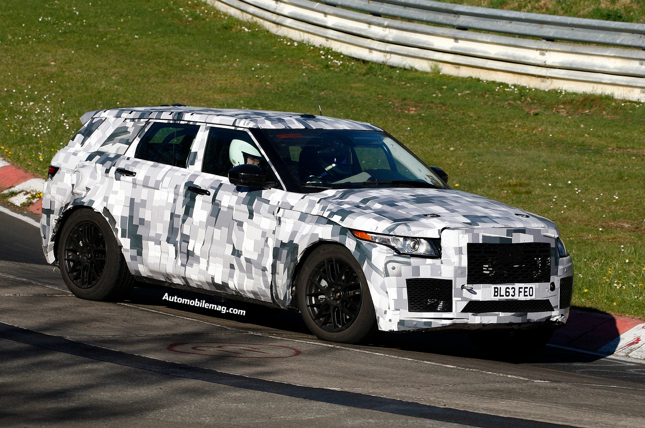 Jaguar C X17 Crossover Spied 3 Front Three Quarter1