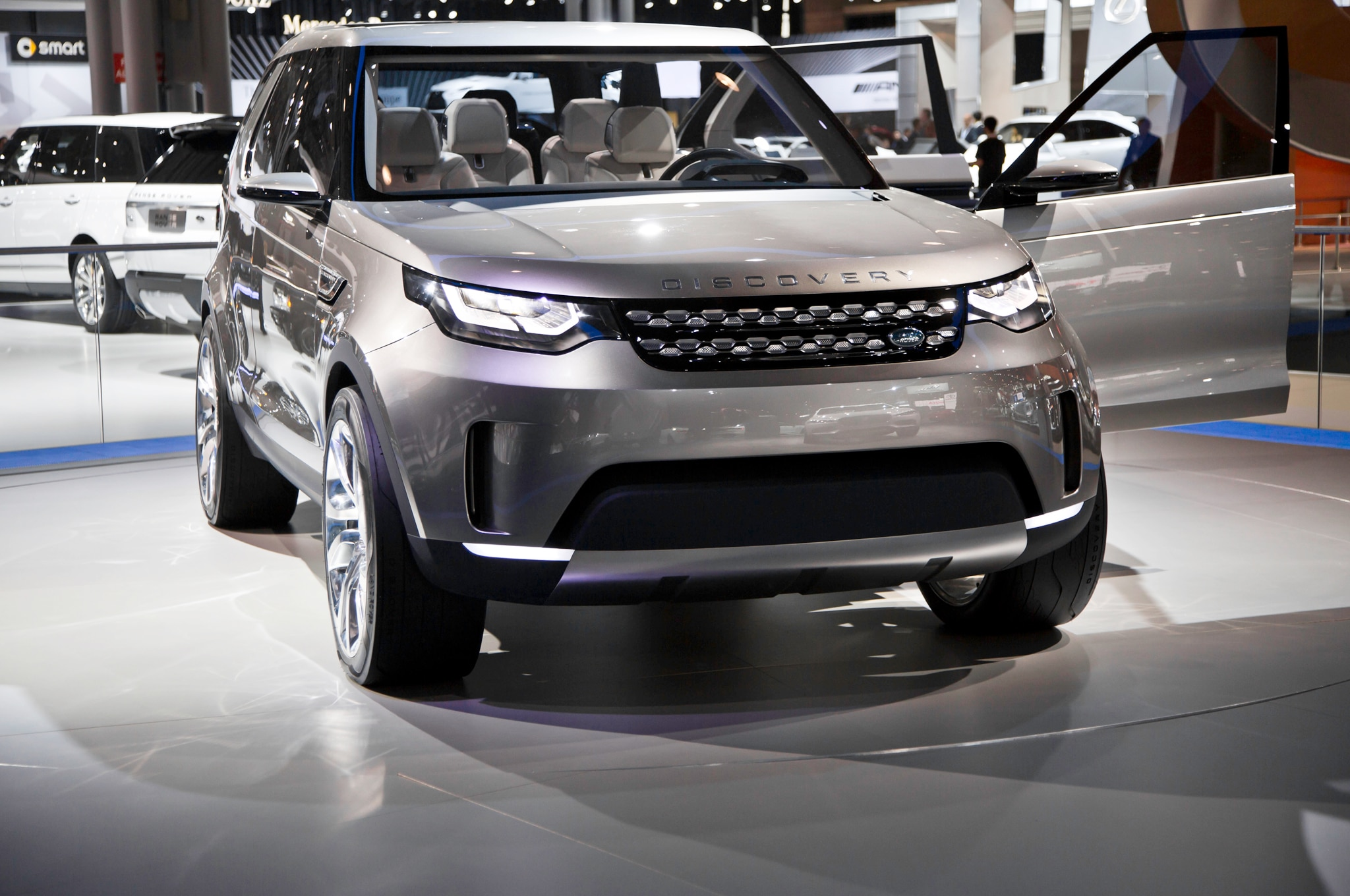 Land Rover Discovery Vision Concept Front End1