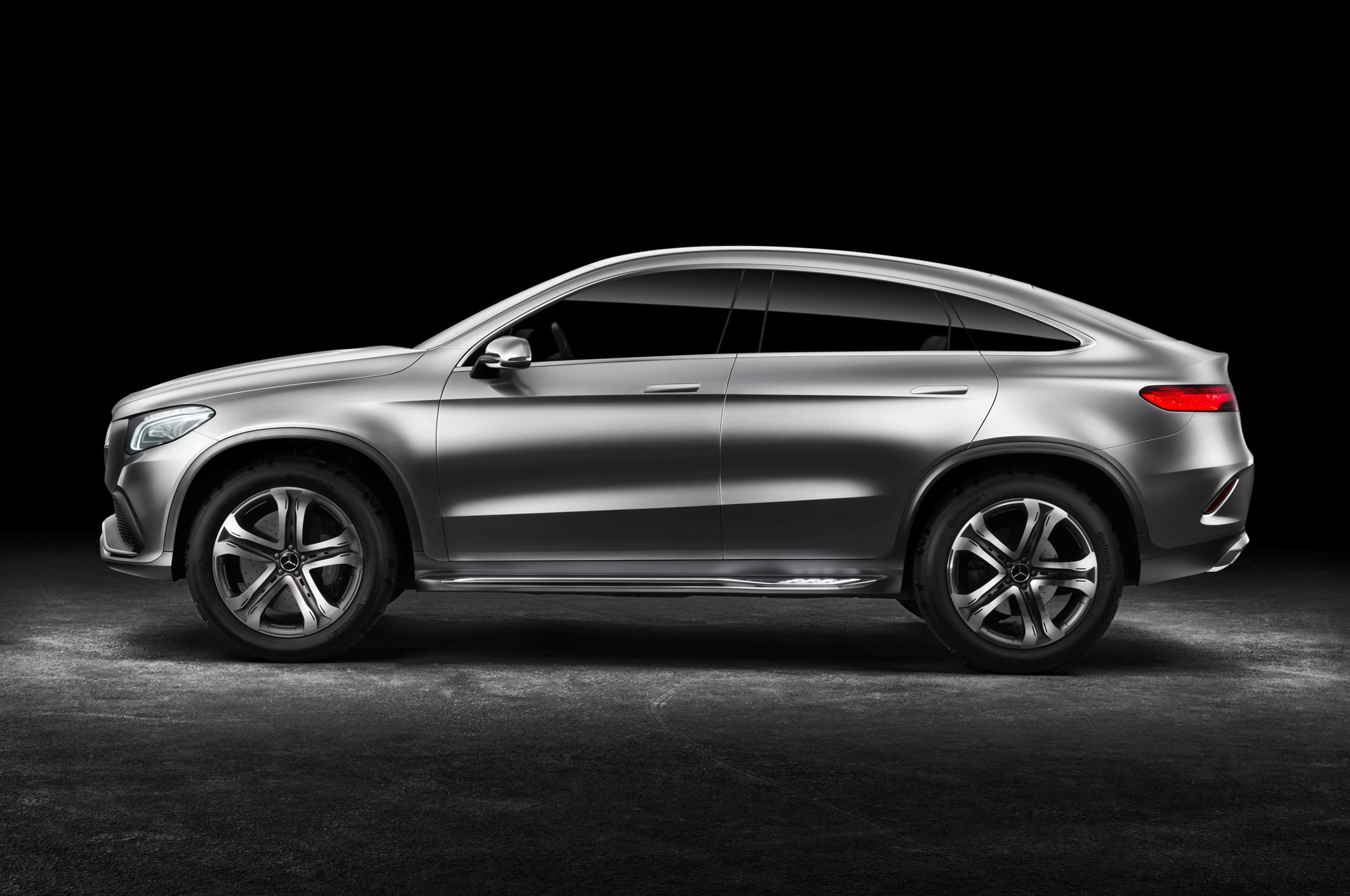 Mercedes benz concept coupe suv revealed in beijing for Mercede benz suv