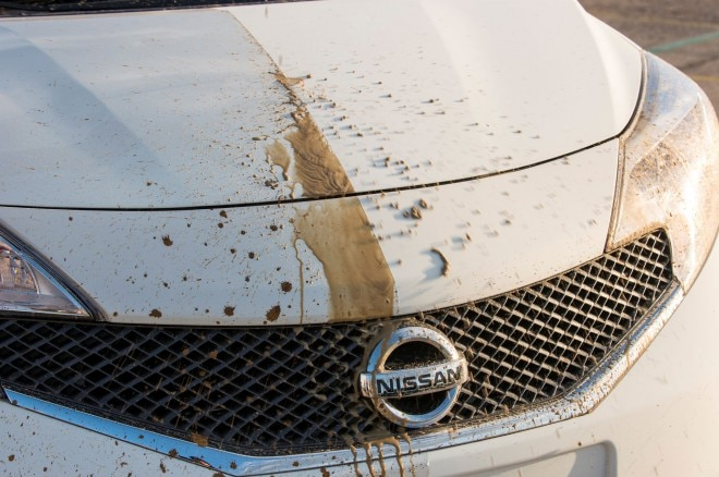 Nissan Note Self Cleaning Car Prototype Hood1 660x438