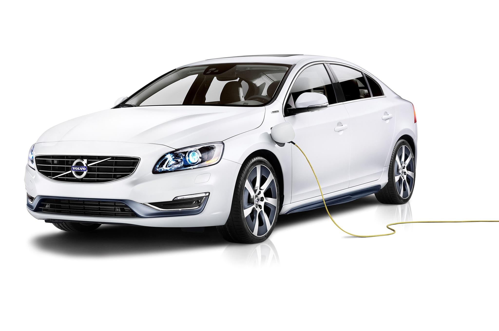 volvo s60l plug-in hybrid shown in beijing - automobile magazine