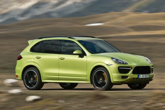 2013 Porsche Cayenne GTS Three Quarters1 660x440