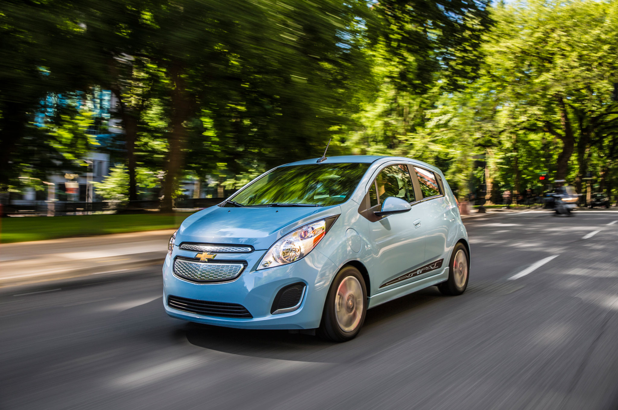 2014 Chevrolet Spark EV Front Left Side View1