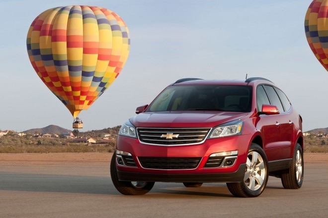 2014 Chevrolet Traverse LTZ Front View 11 660x440