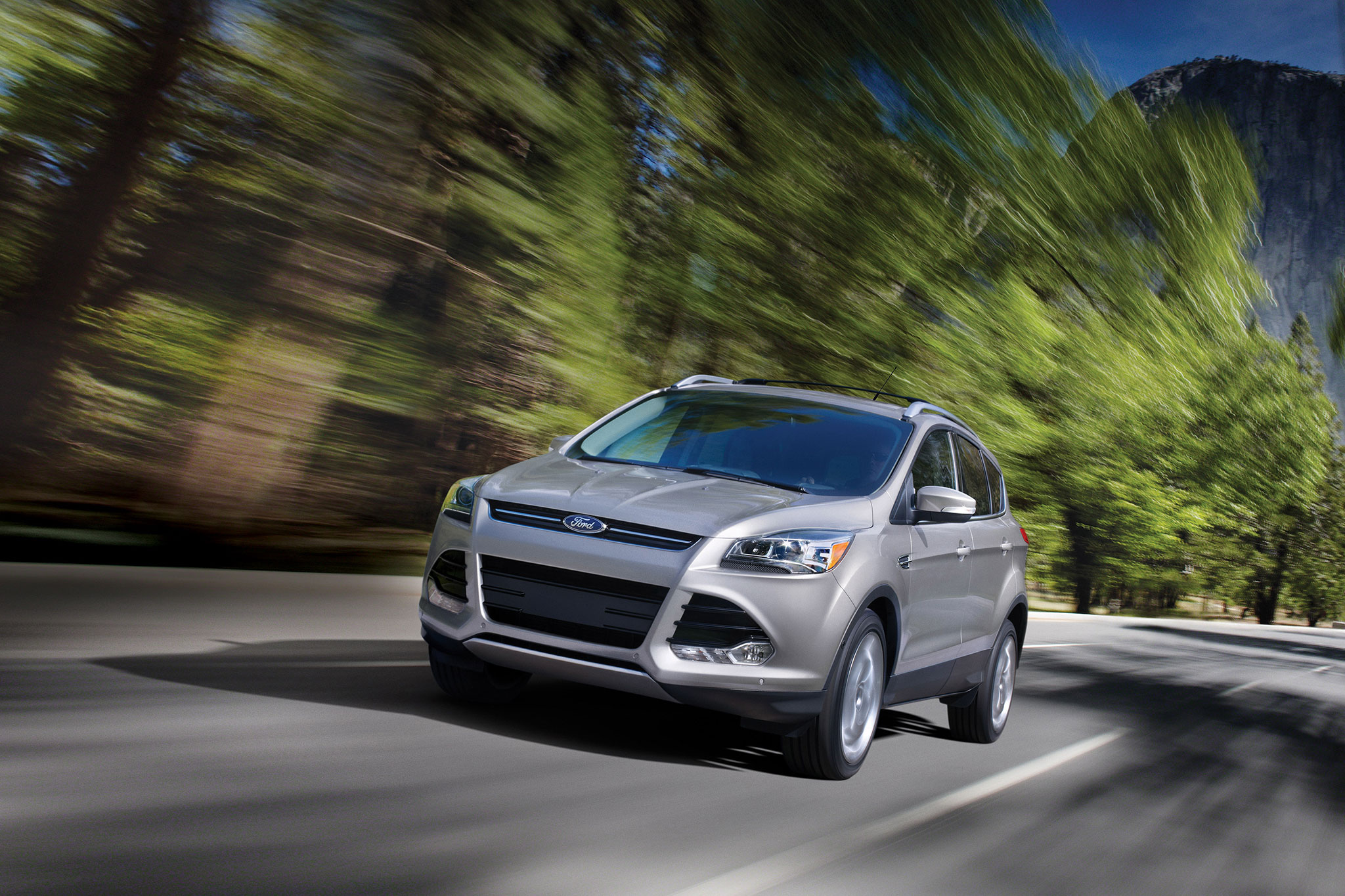 2014 Ford Escape Front Drivers Side In Motion1