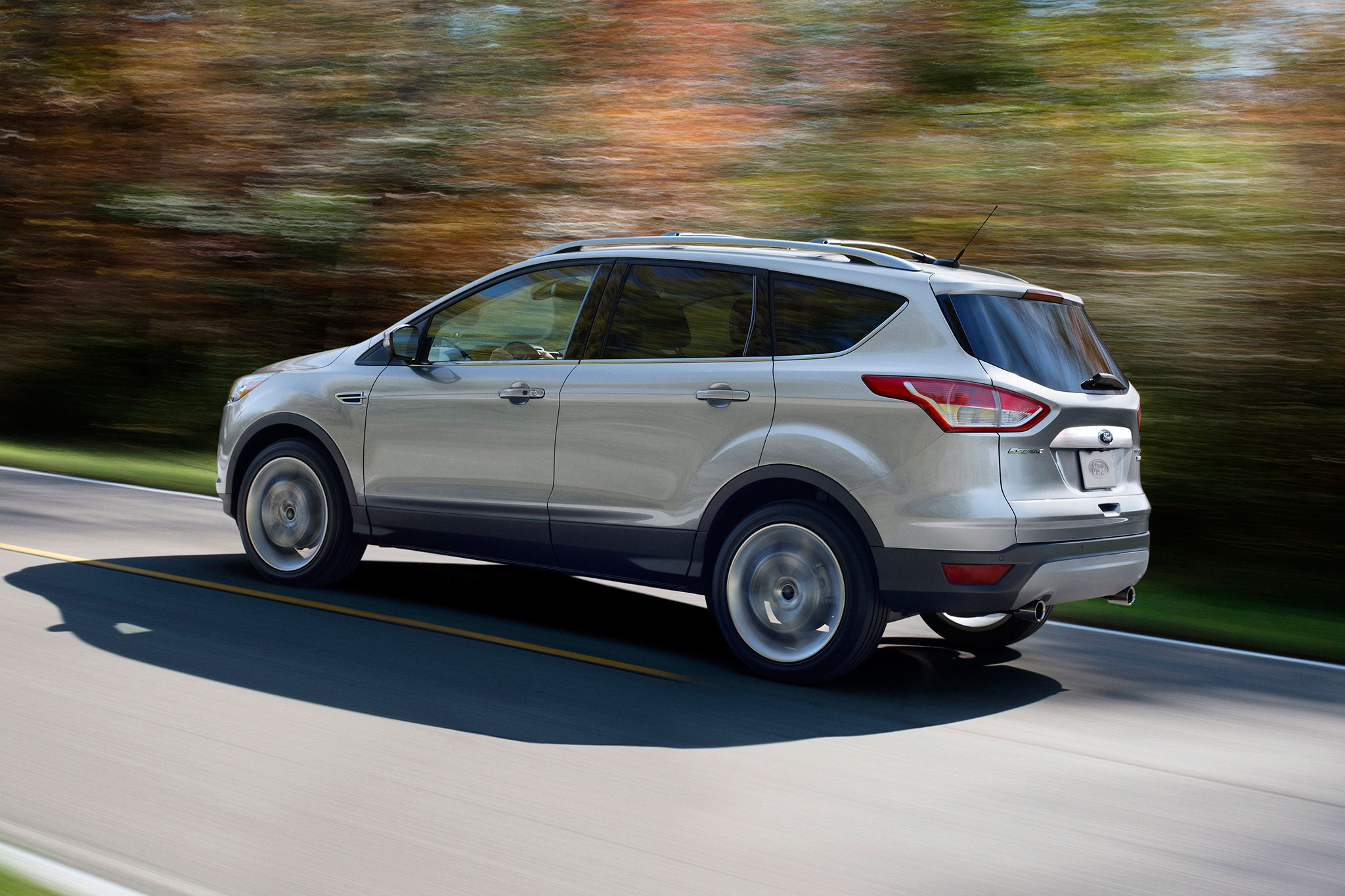 2014 Ford Escape Rear Drivers Side In Motion1