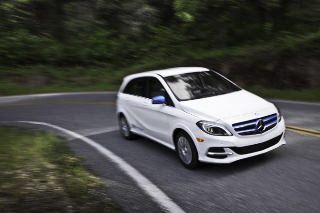 2014 Mercedes Benz B Class Electric Drive Front End Turn 660x440