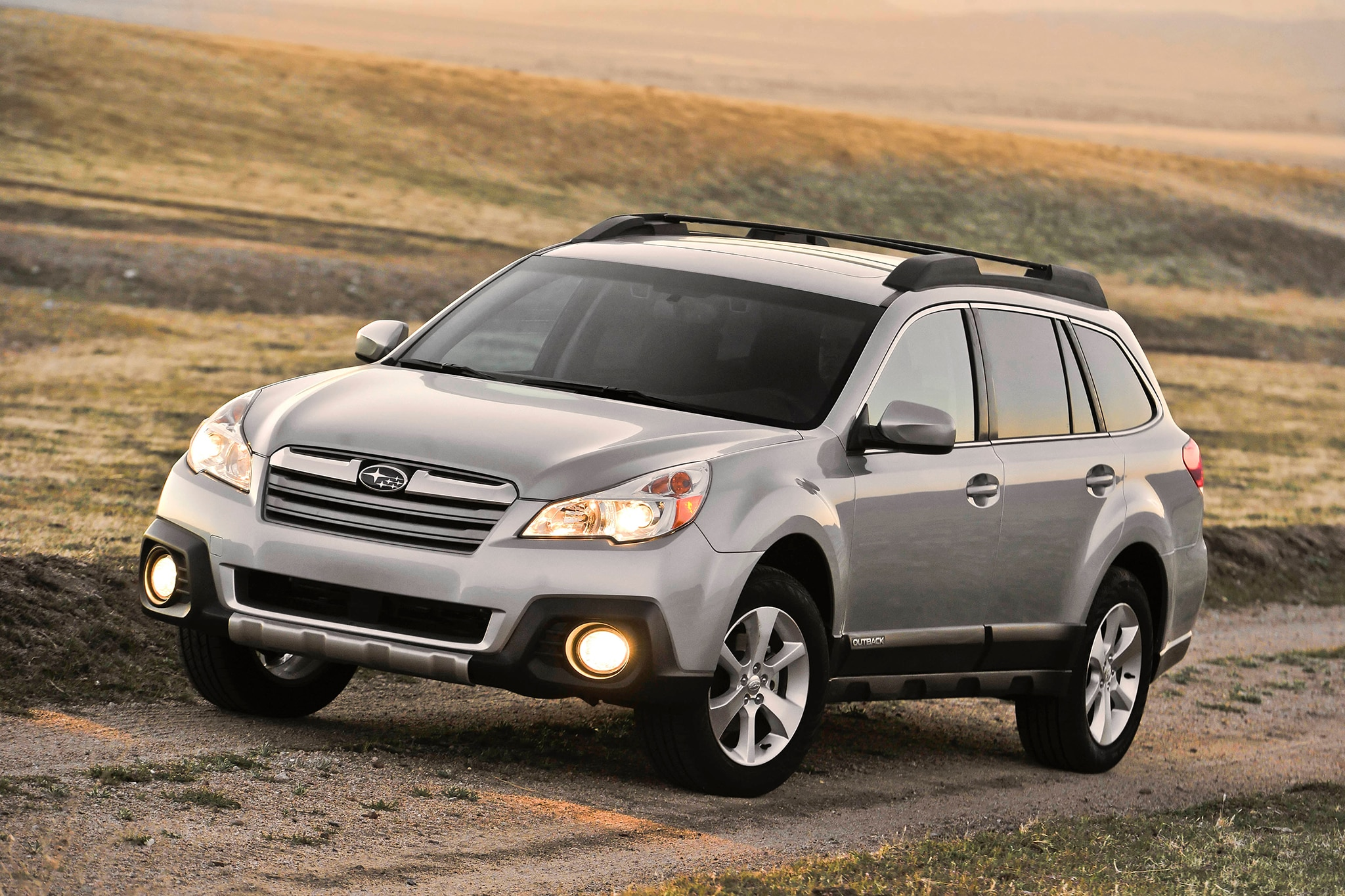 2014 Subaru Outback Three Quarters1