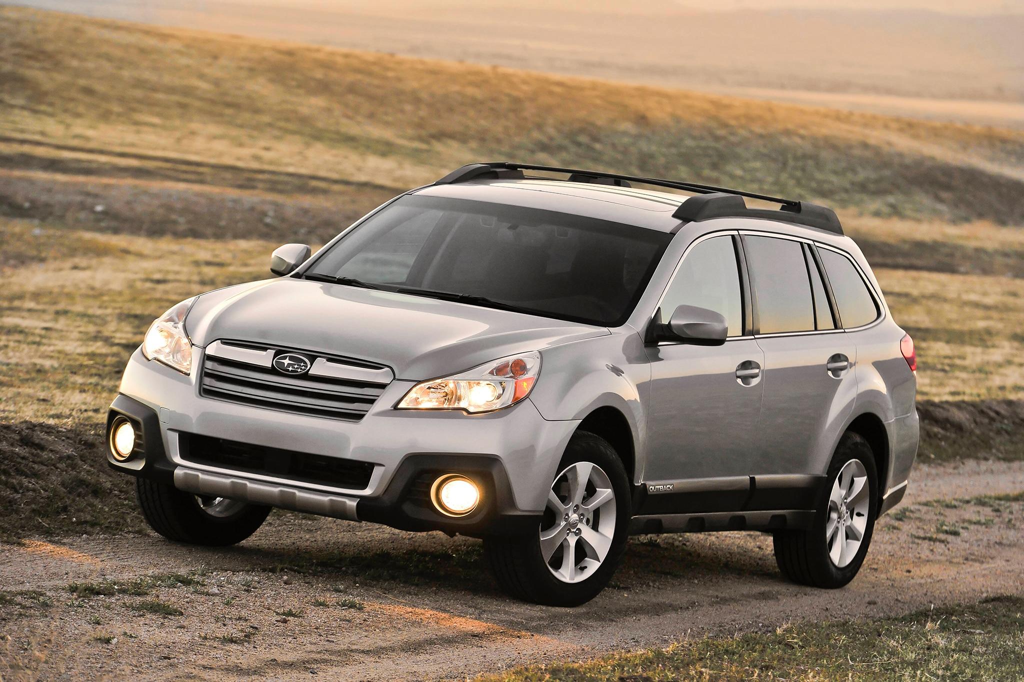 2014 Subaru Outback Three Quarters1