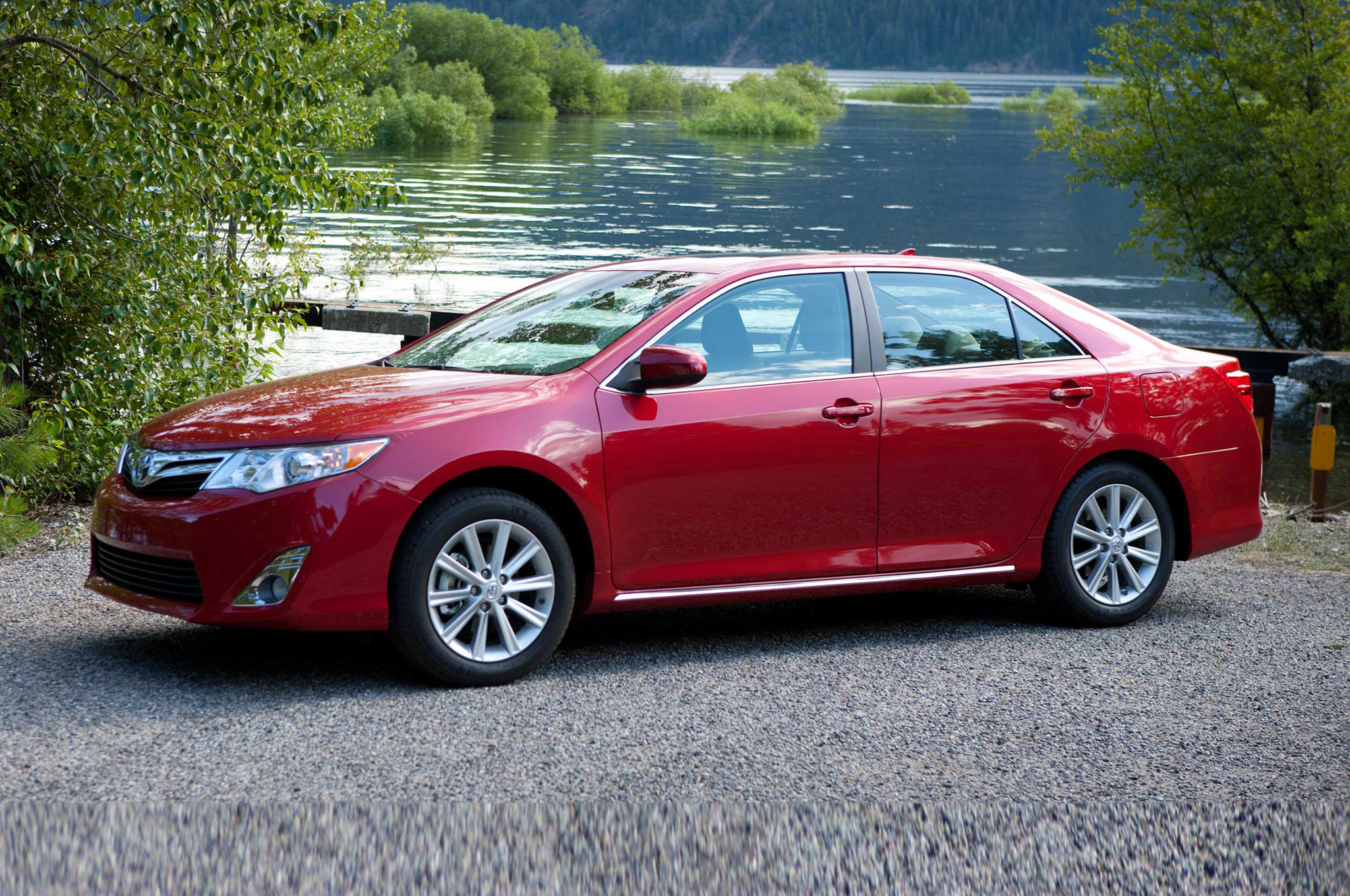 2014 Toyota Camry XL Three Quarters Drivers View 001