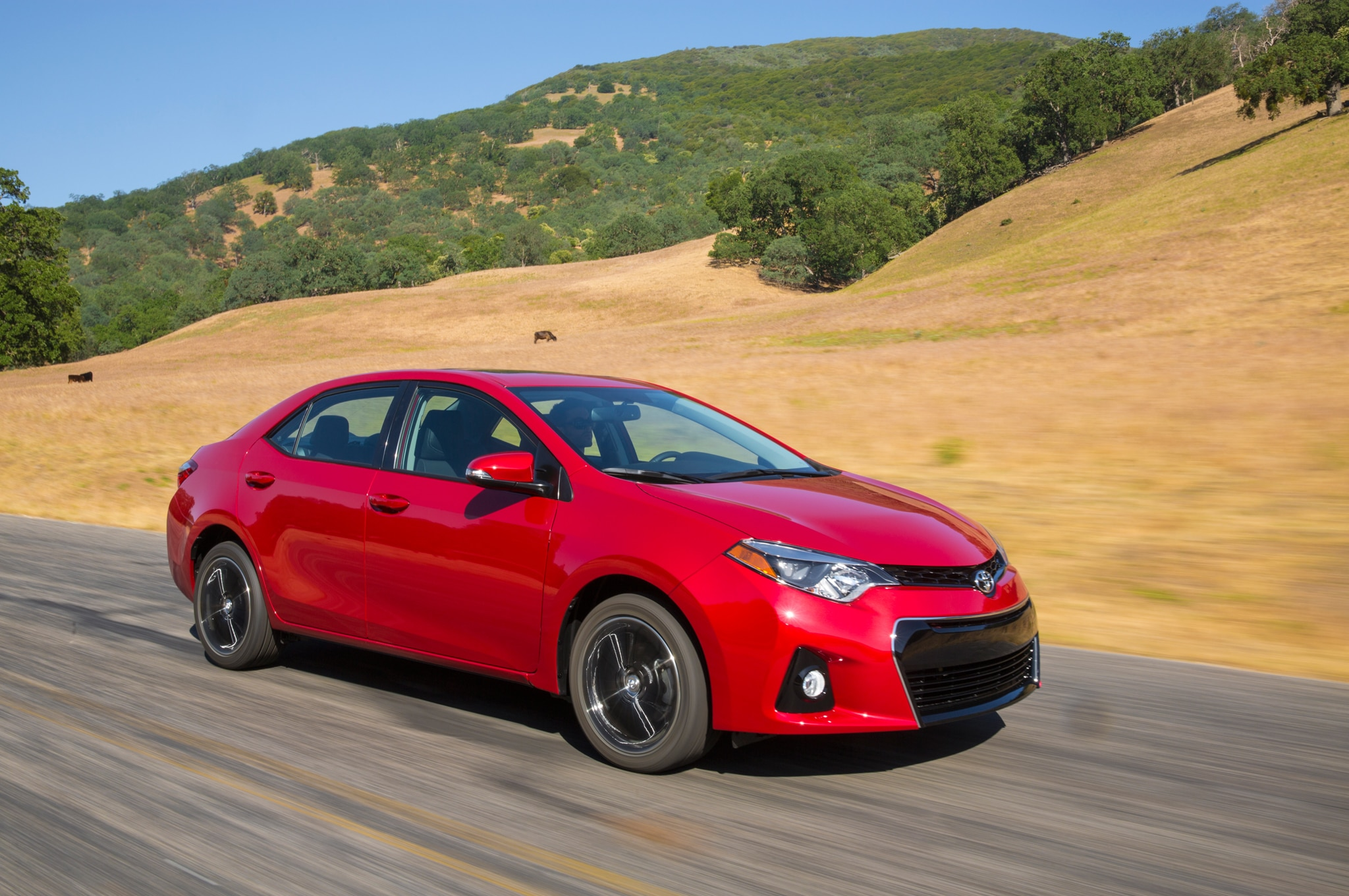 2014 Toyota Corolla S Front Three Quarters In Motion 05