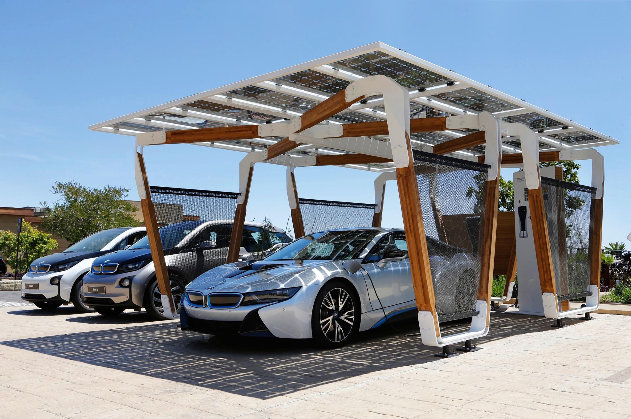 2014 Bmw I8 Solar Carport I3 Front Three Quarter1