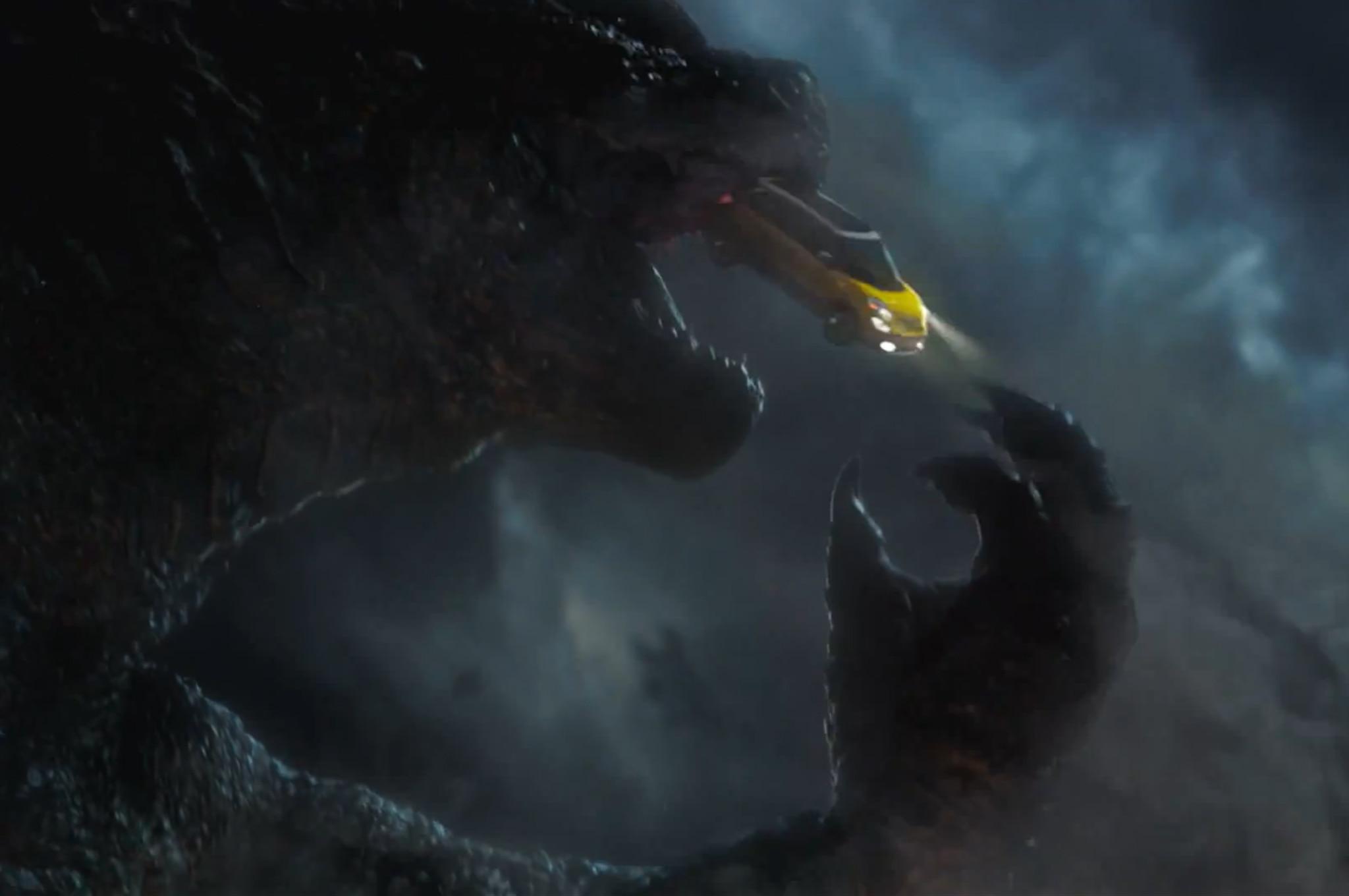 2014 Fiat 500 L Godzilla Ad Screenshot