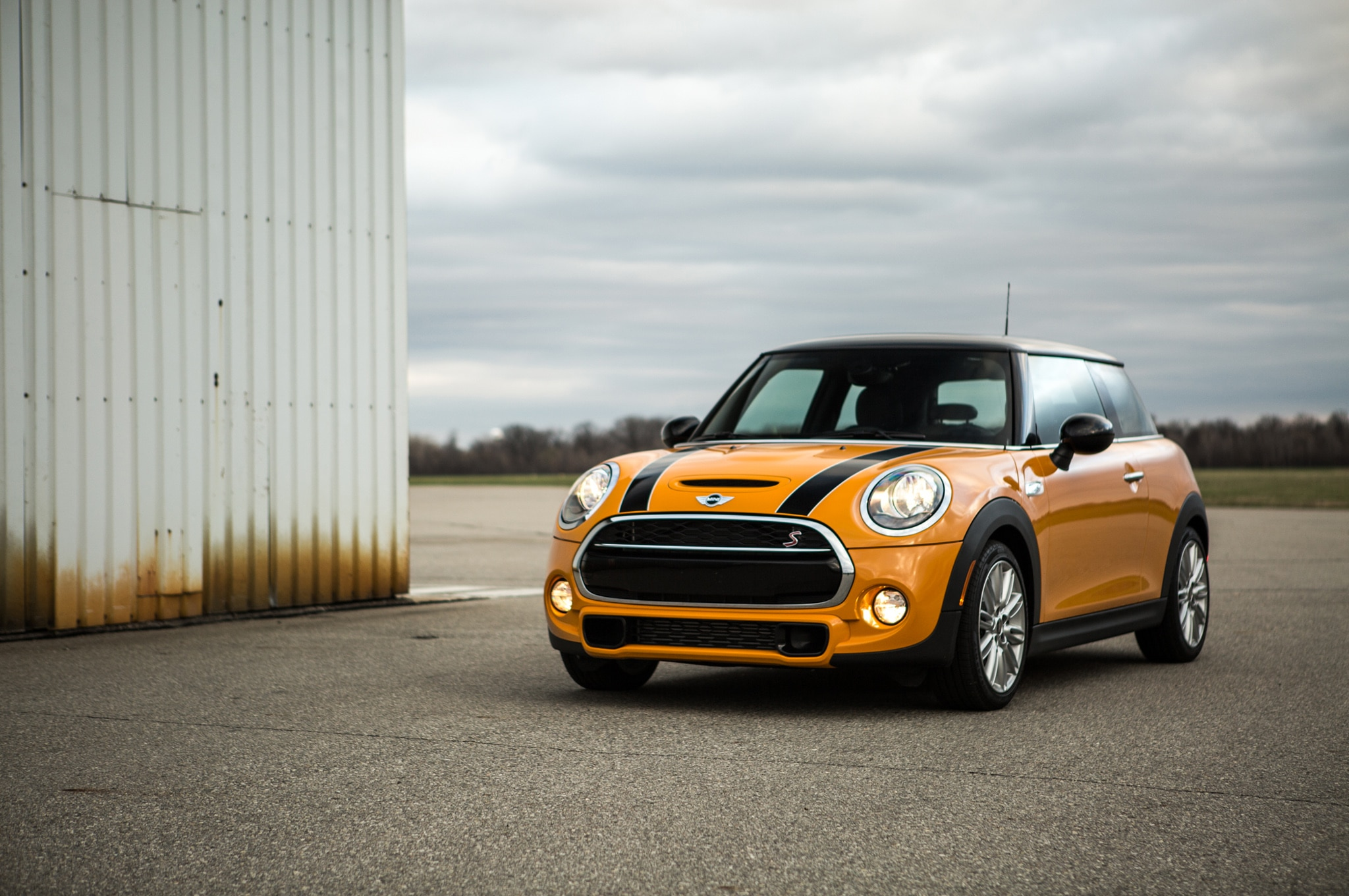 2014 Mini Cooper S 01 Front Three Quarter1