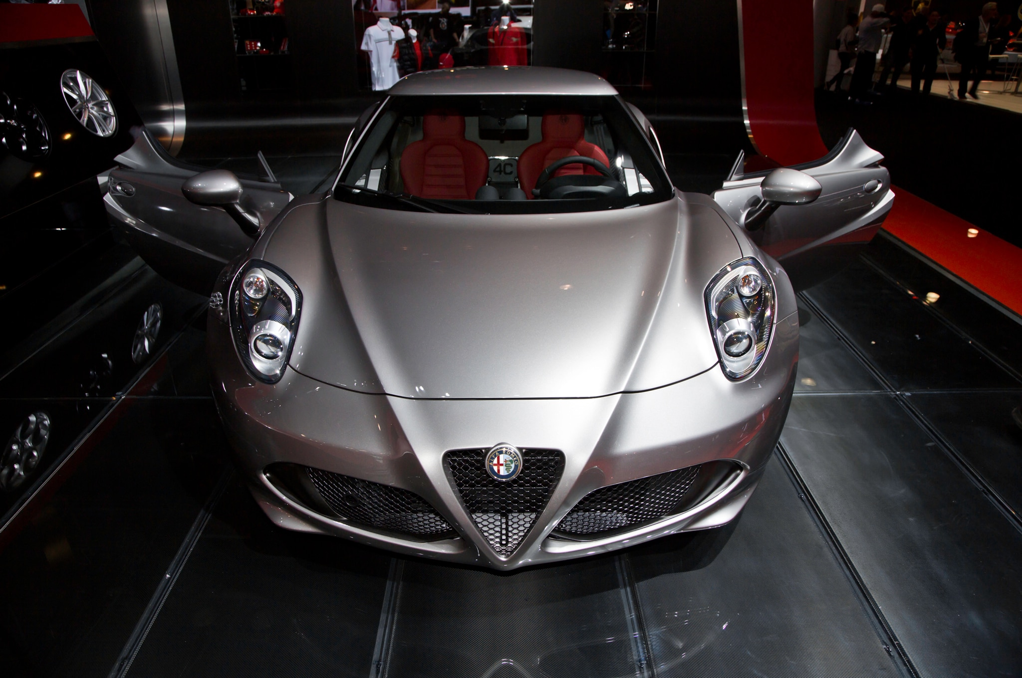 2015 Alfa Romeo 4C Launch Edition Front End 021