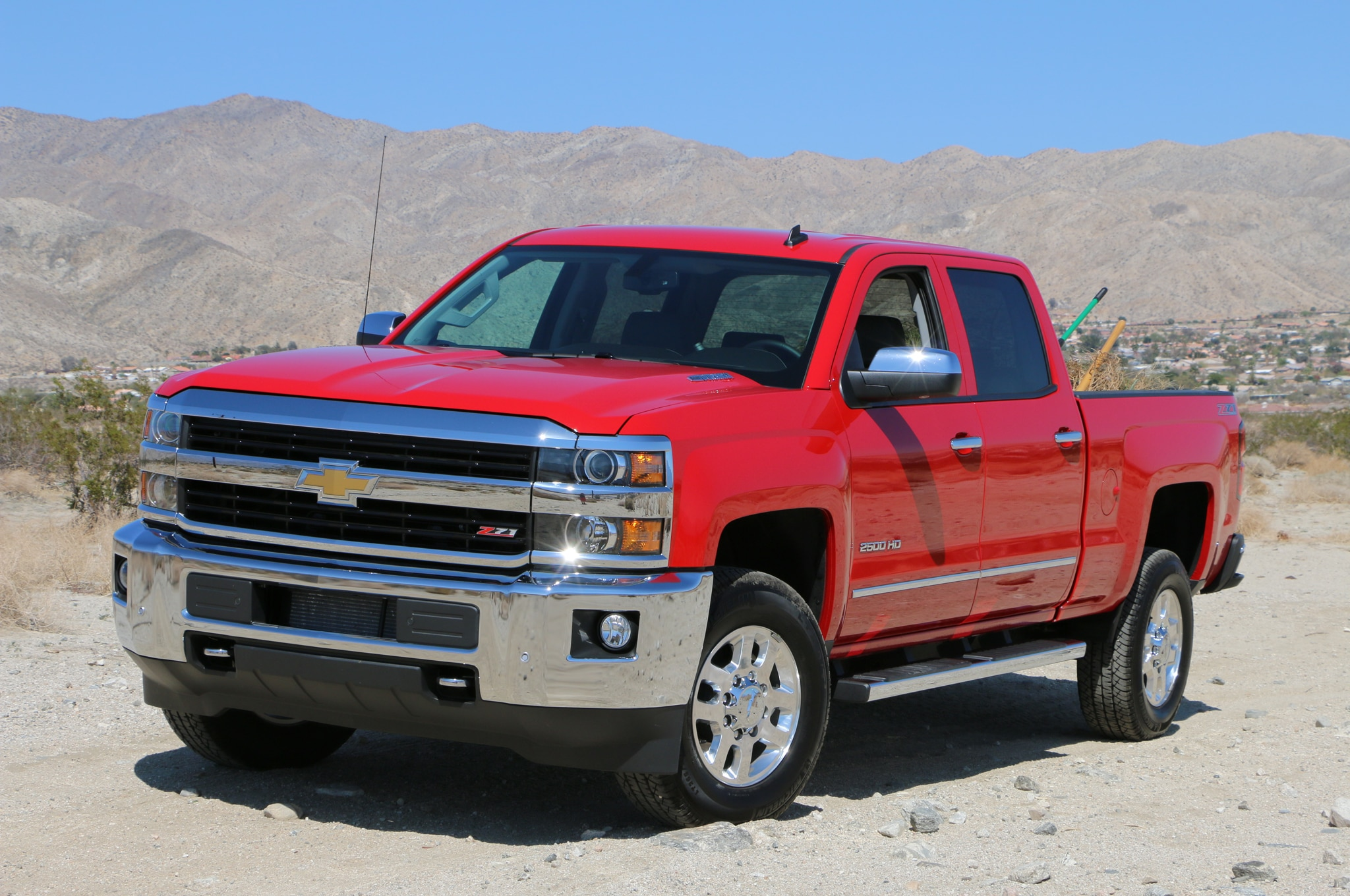 2015 chevrolet silverado 2500 4wd ltz crew cab around the block. Black Bedroom Furniture Sets. Home Design Ideas