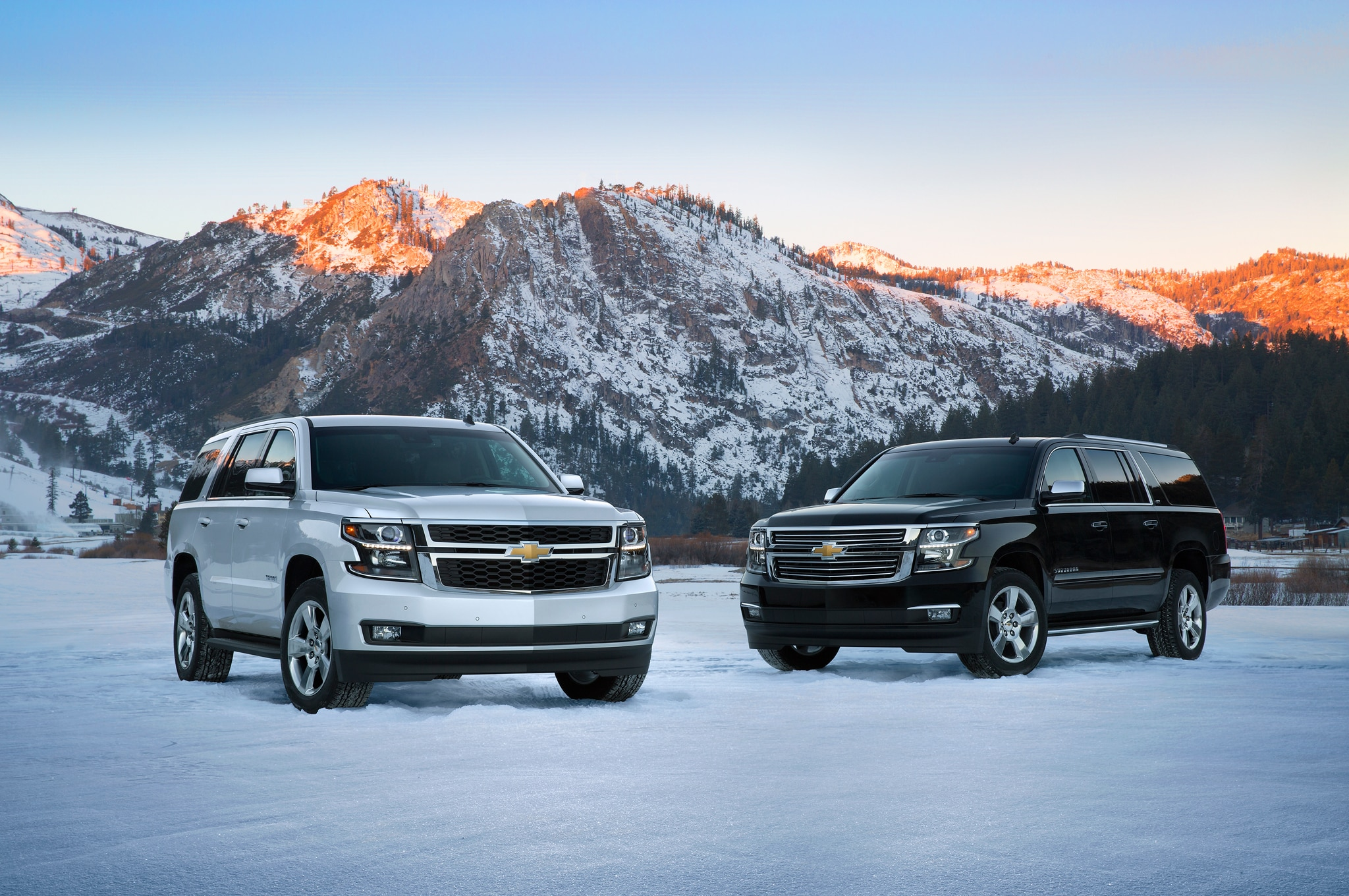 2015 Chevrolet Suburban Chevrolet Tahoe Front Three Quarters1