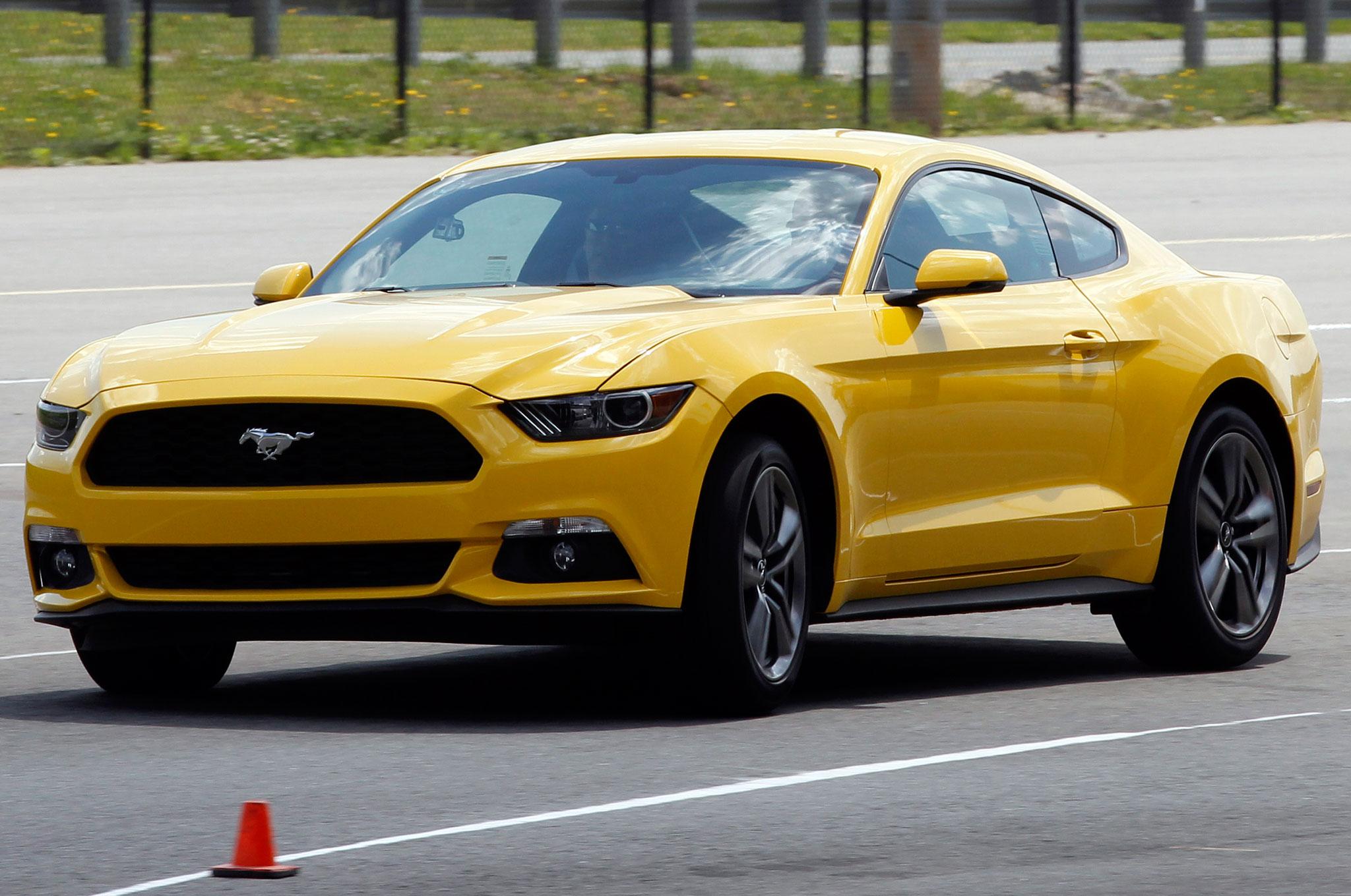 2015 Ford Mustang EcoBoost Around Corner1