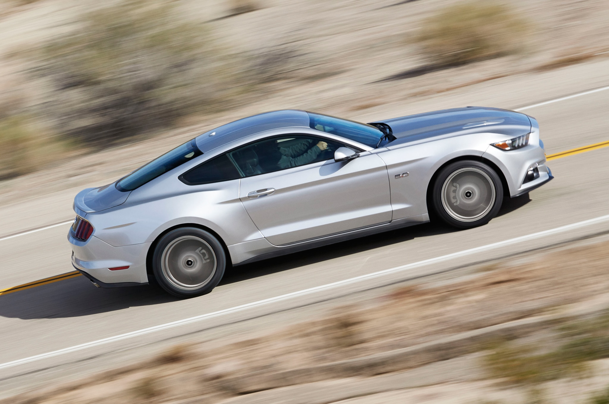 2015 Ford Mustang Side In Motion 031