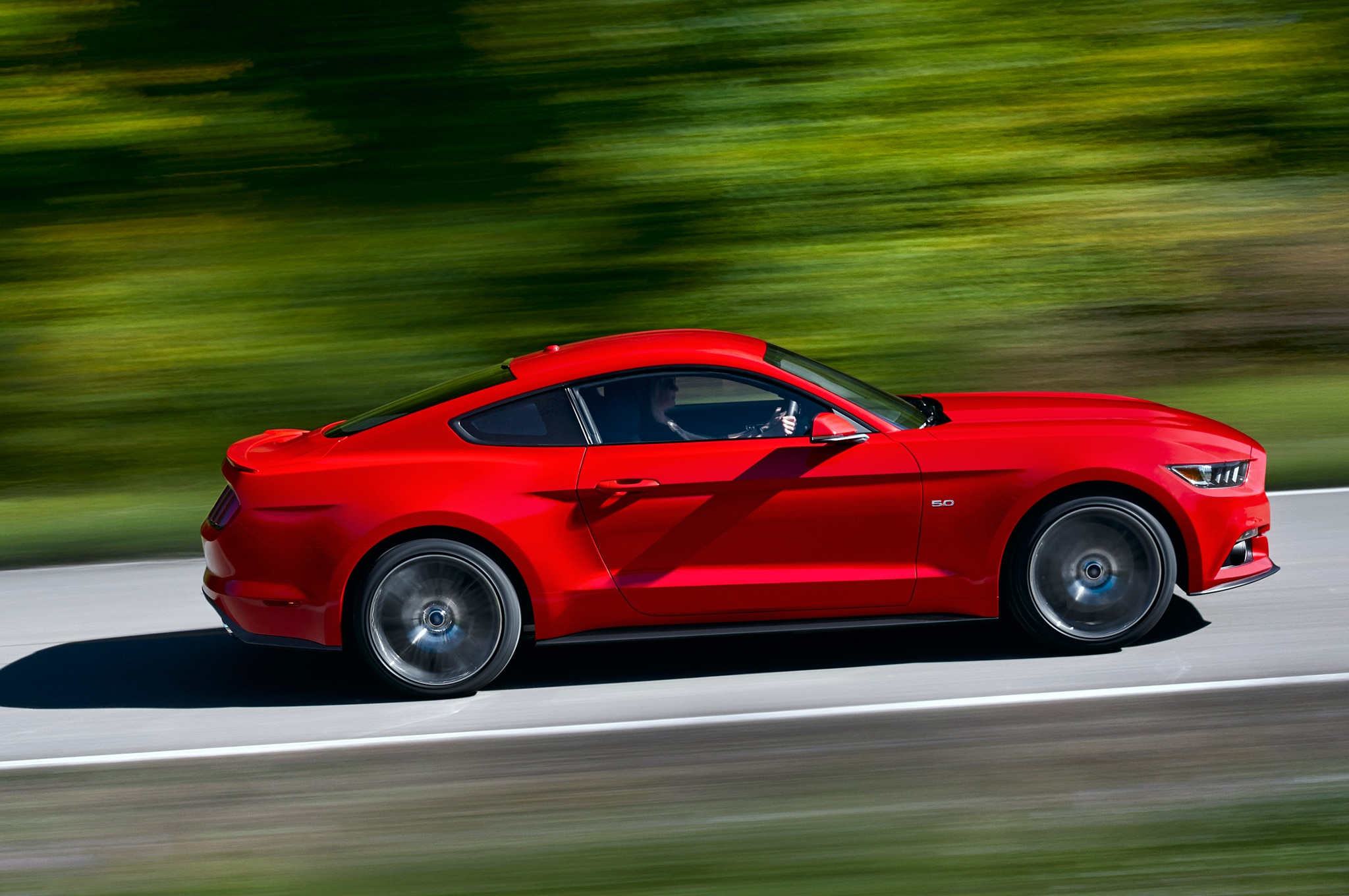 2015 Ford Mustang Side View In Motion2