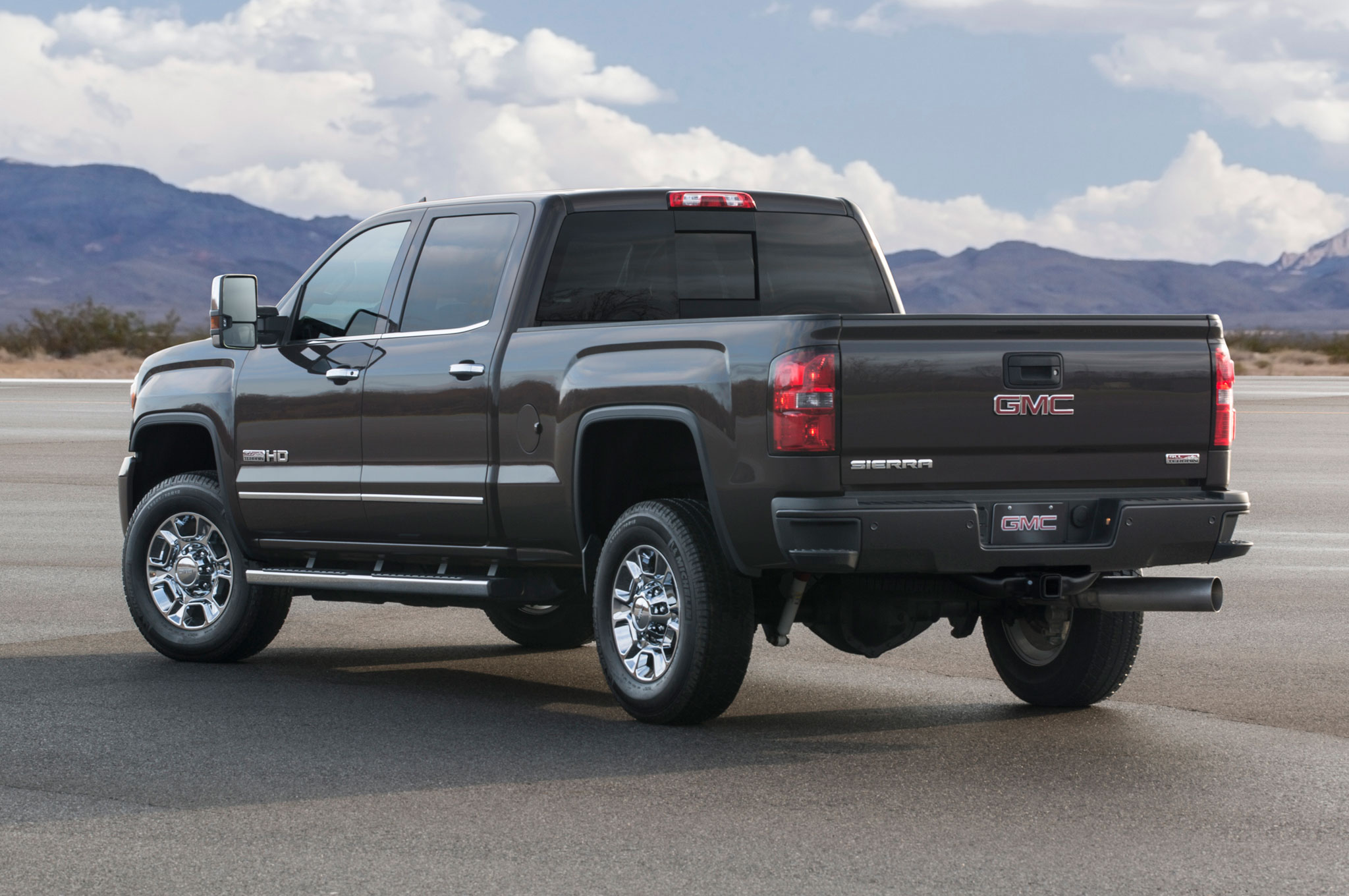 gmc earn test news ratings yukon crash road tahoe chevrolet video h top truck