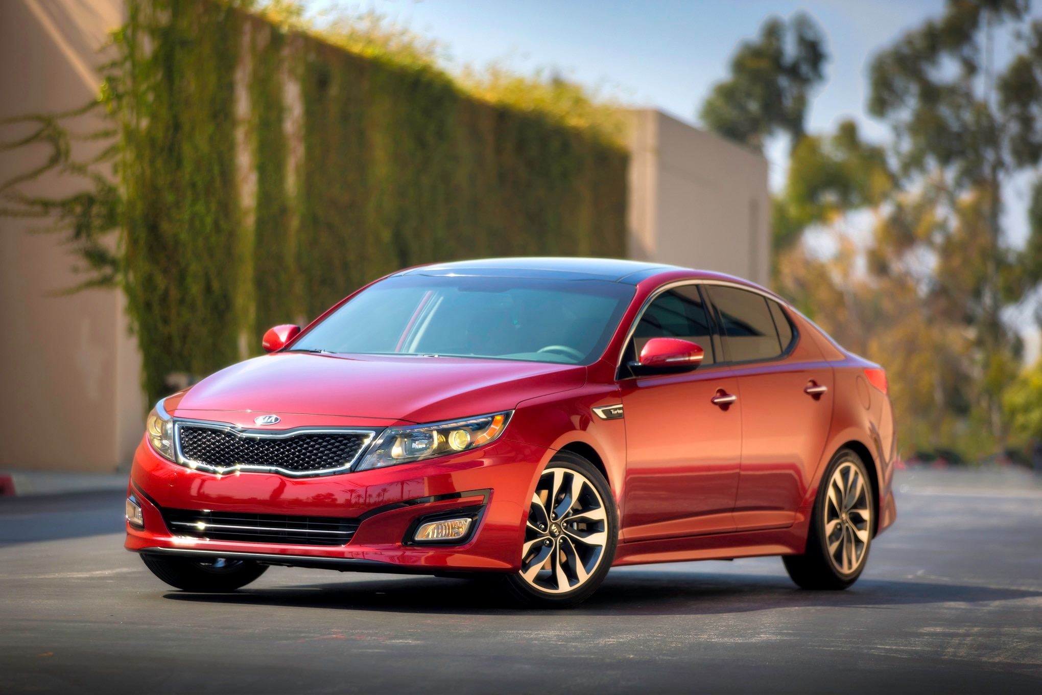 2015 Kia Optima Front Three Quarter