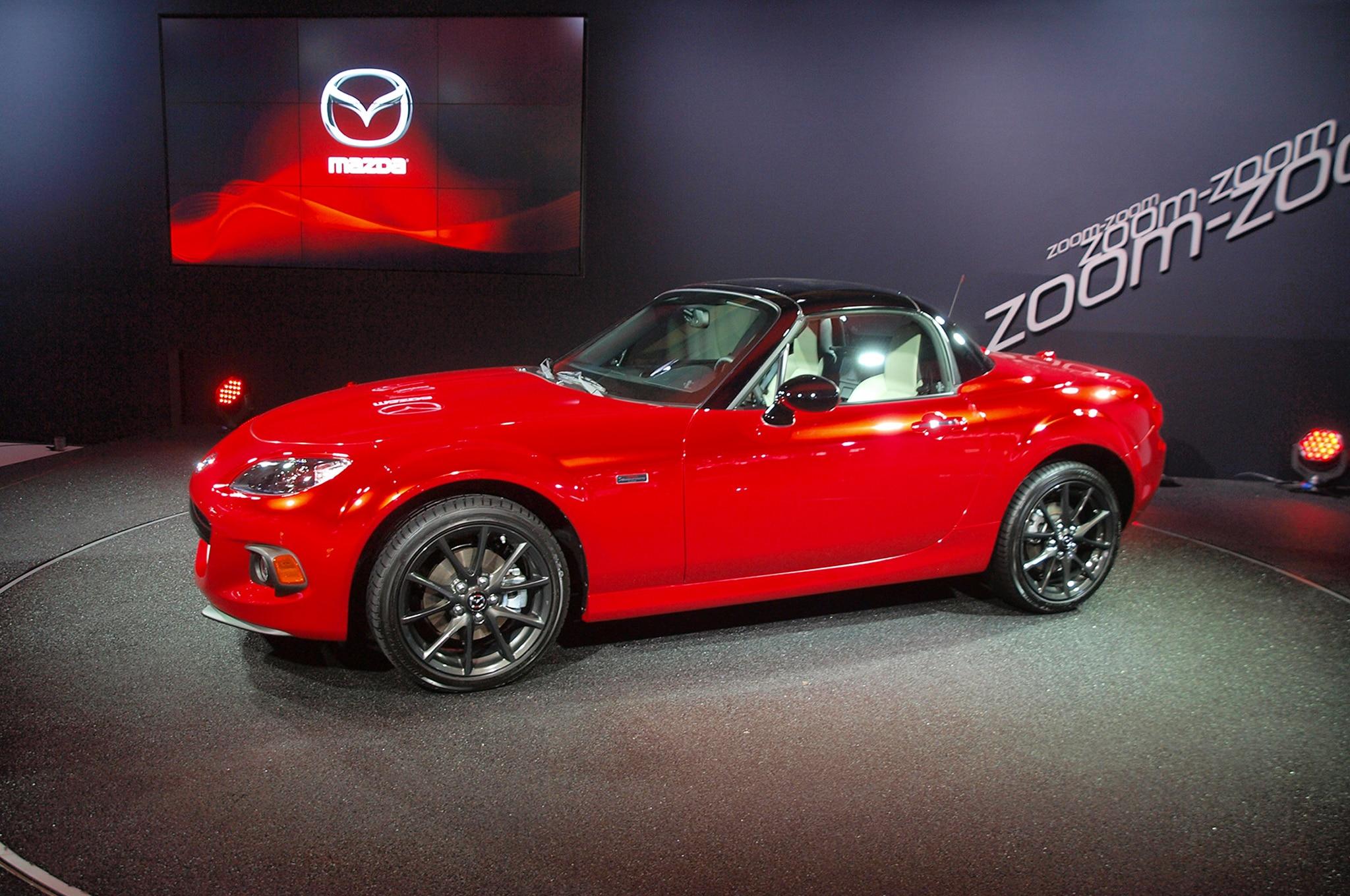 2015 Mazda Miata 25 Year Anniversary Edition Front Three Quarter2