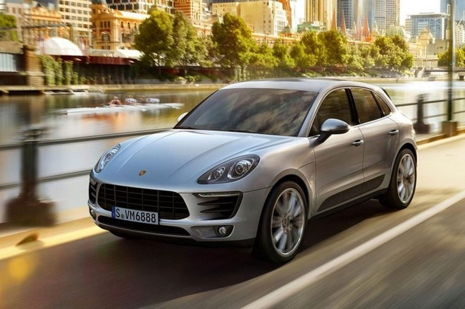 2015 Porsche Macan Front Three Quarters In Motion1 660x438