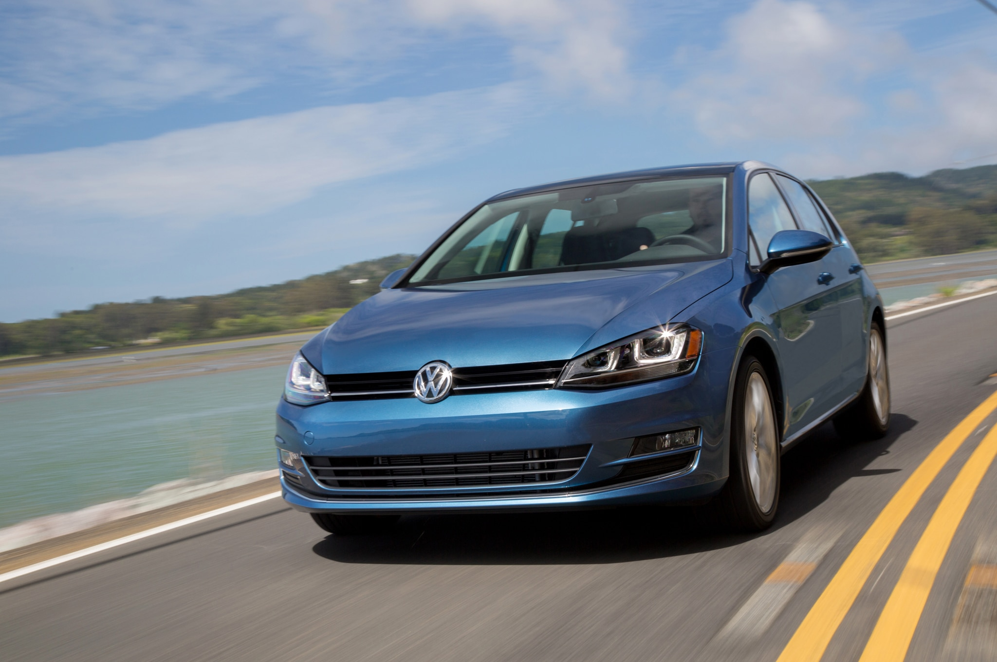 2015 Volkswagen Golf TSI Front End In Motion