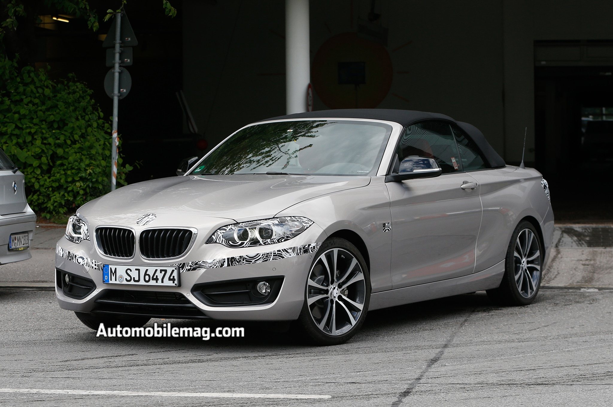 2015 bmw 2 series convertible spied automobile magazine. Black Bedroom Furniture Sets. Home Design Ideas
