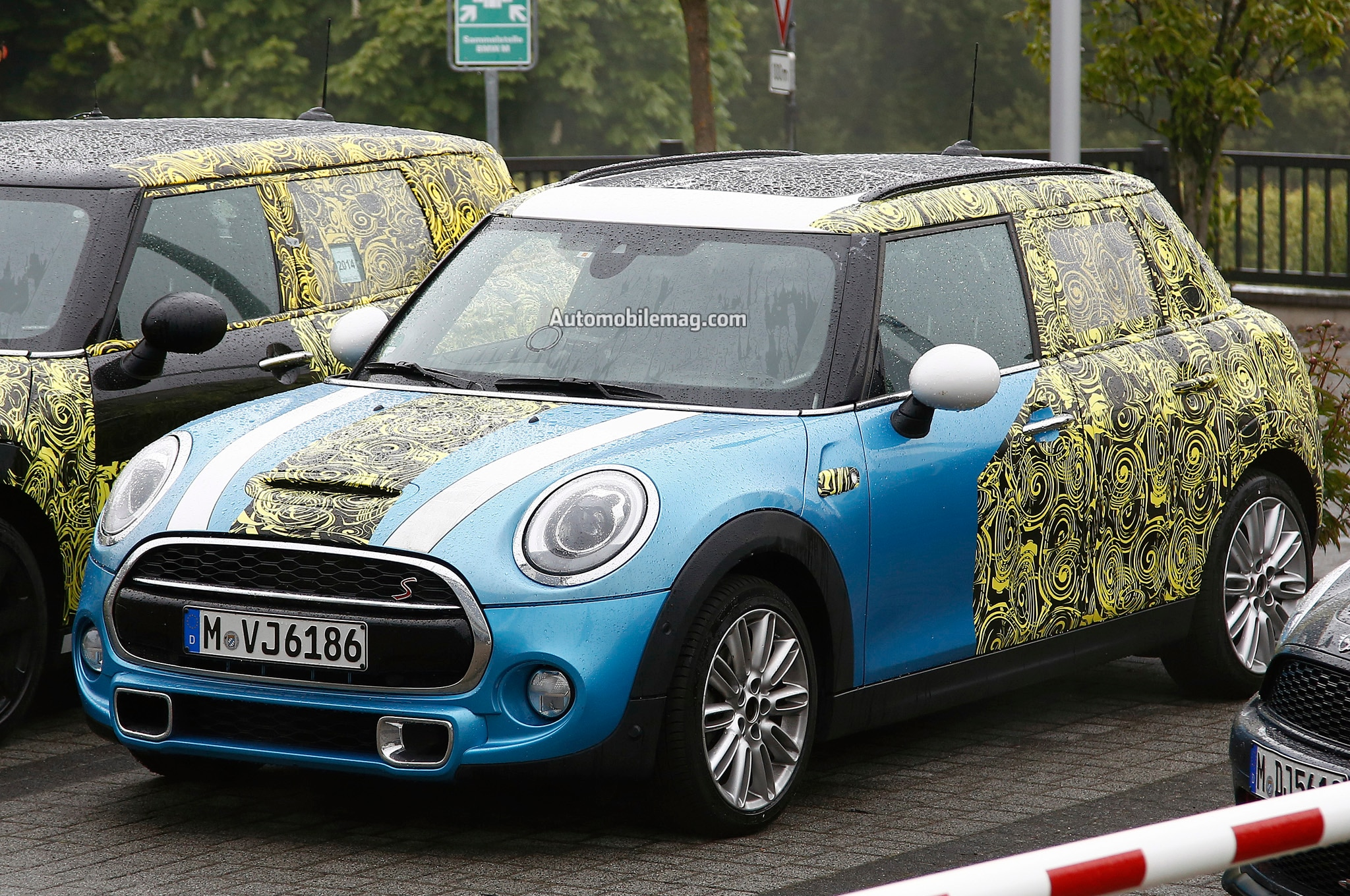 2015 Mini Cooper Five Door Spied Front Three Quarters1